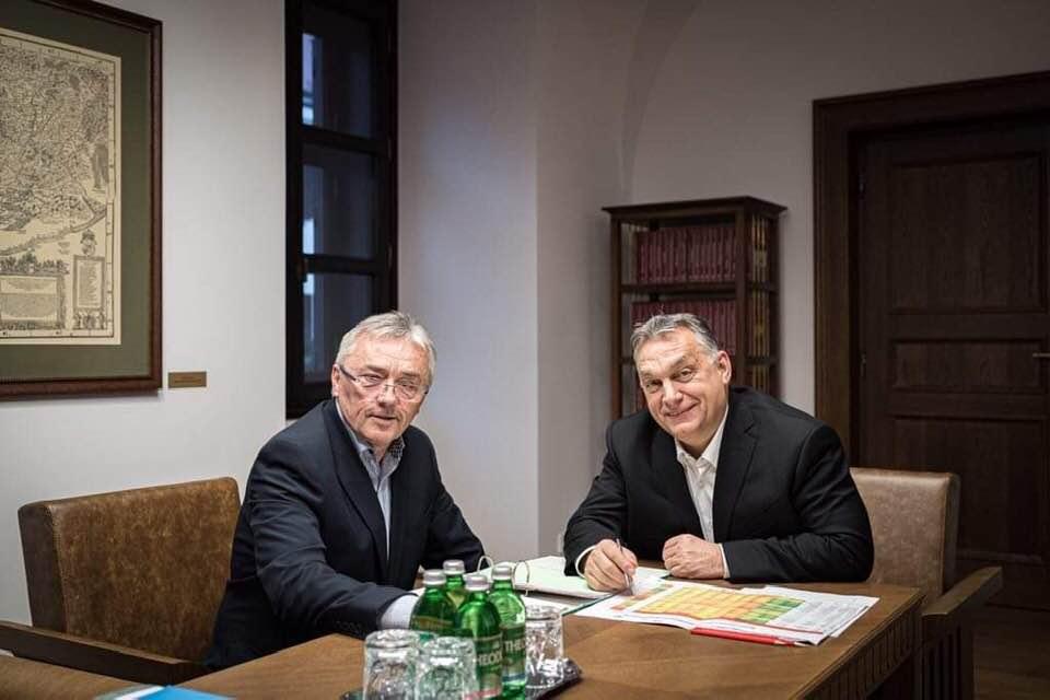 Orbán írásba adta, hogy Pécs is megkapja a maga stadionját