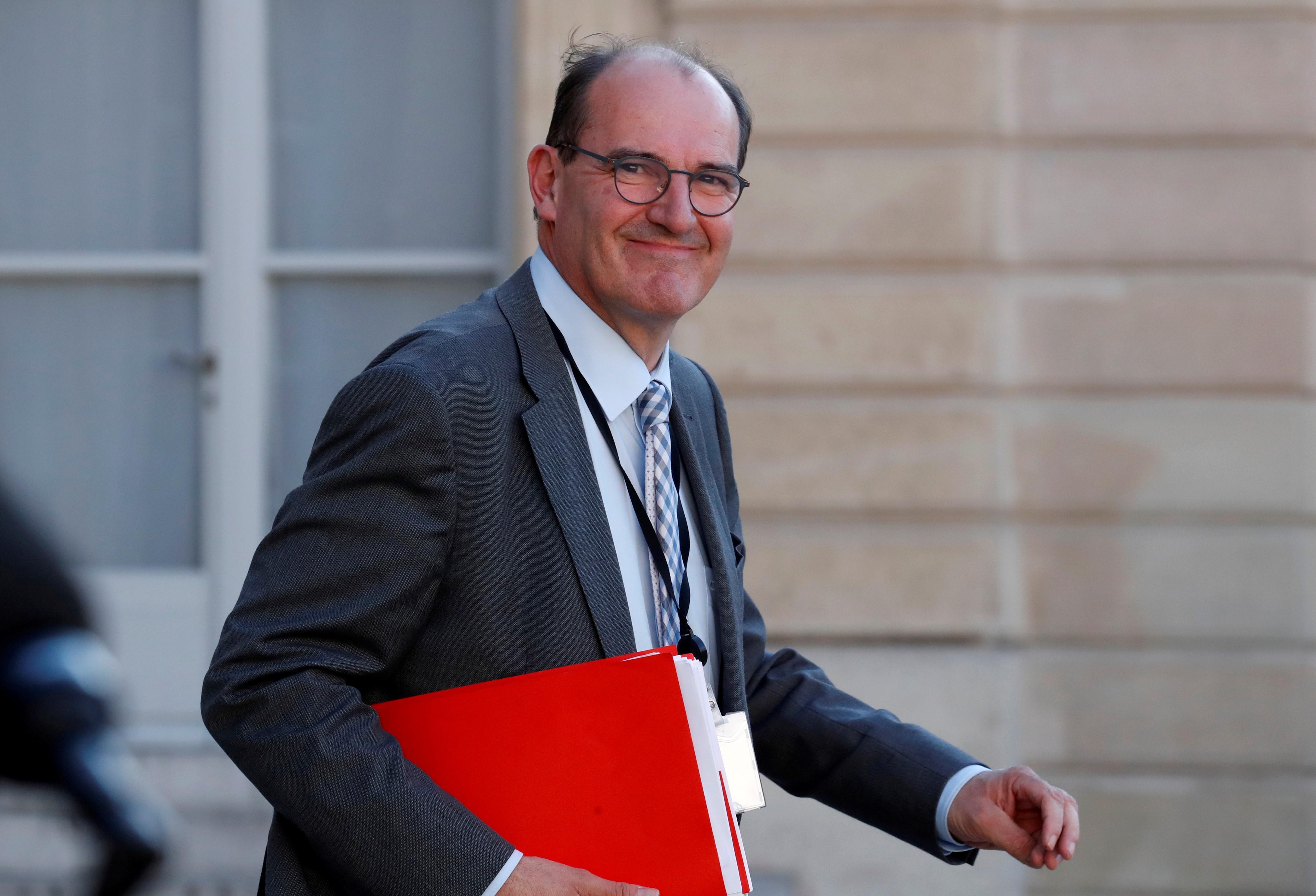 Franciaországban két évre meghosszabbítják a koronavírus miatti bértámogatást a rászorulóknak