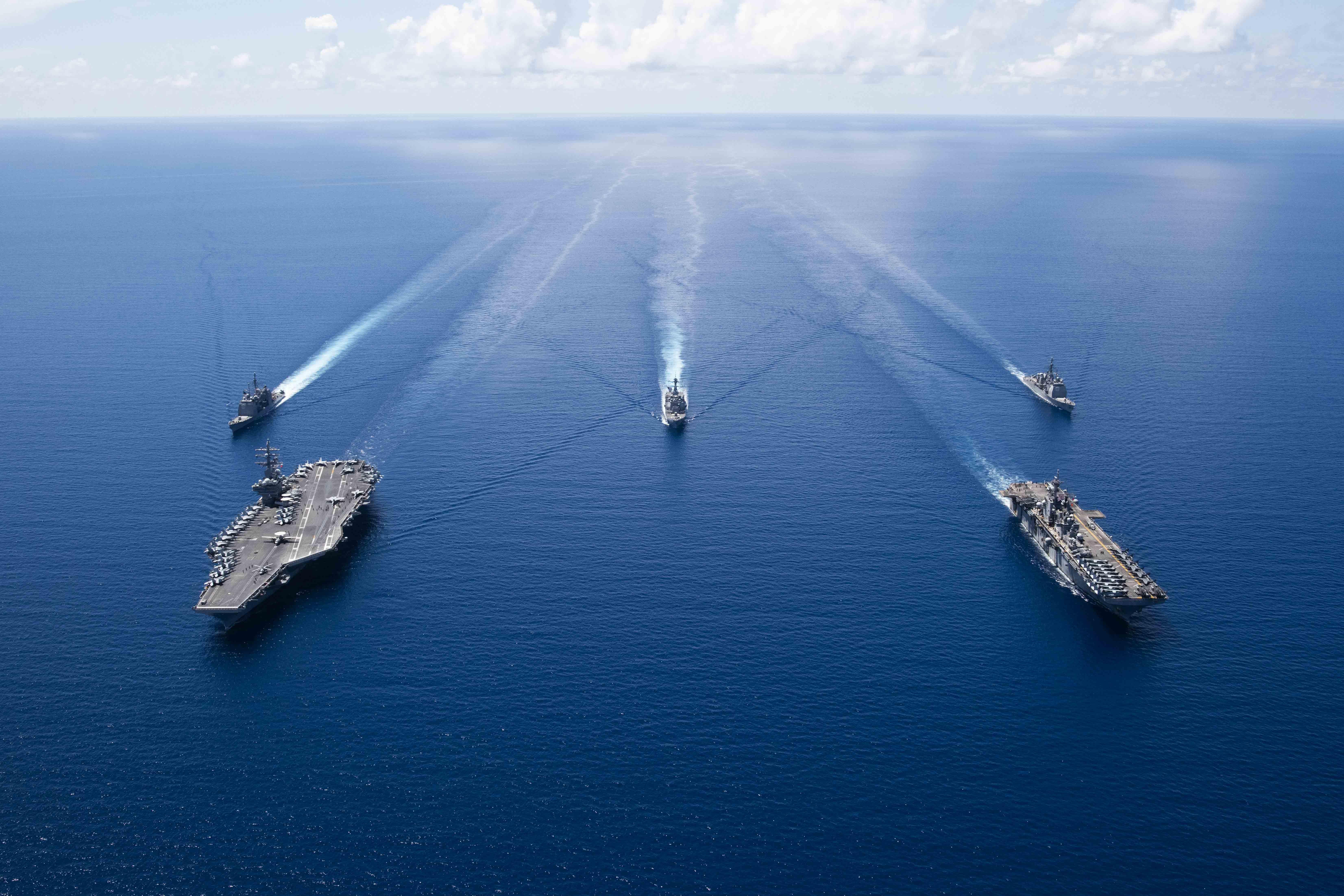 Amerikai anyahajók gyakorlatoztak Kínával egy időben a vitatott hovatartozású Dél-kínai-tengeren
