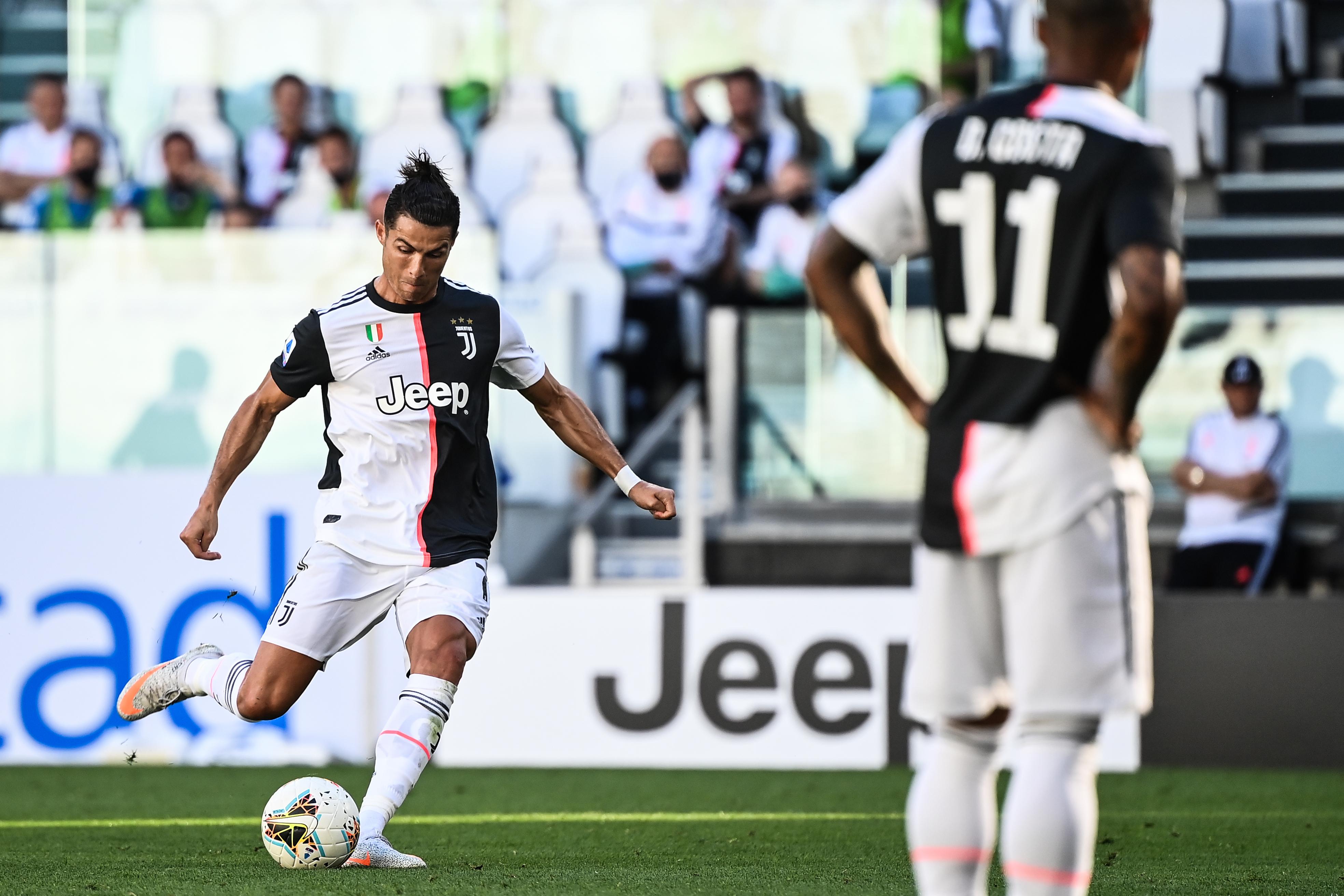 Döbbenet: szabadrúgásgólt szerzett Cristiano Ronaldo