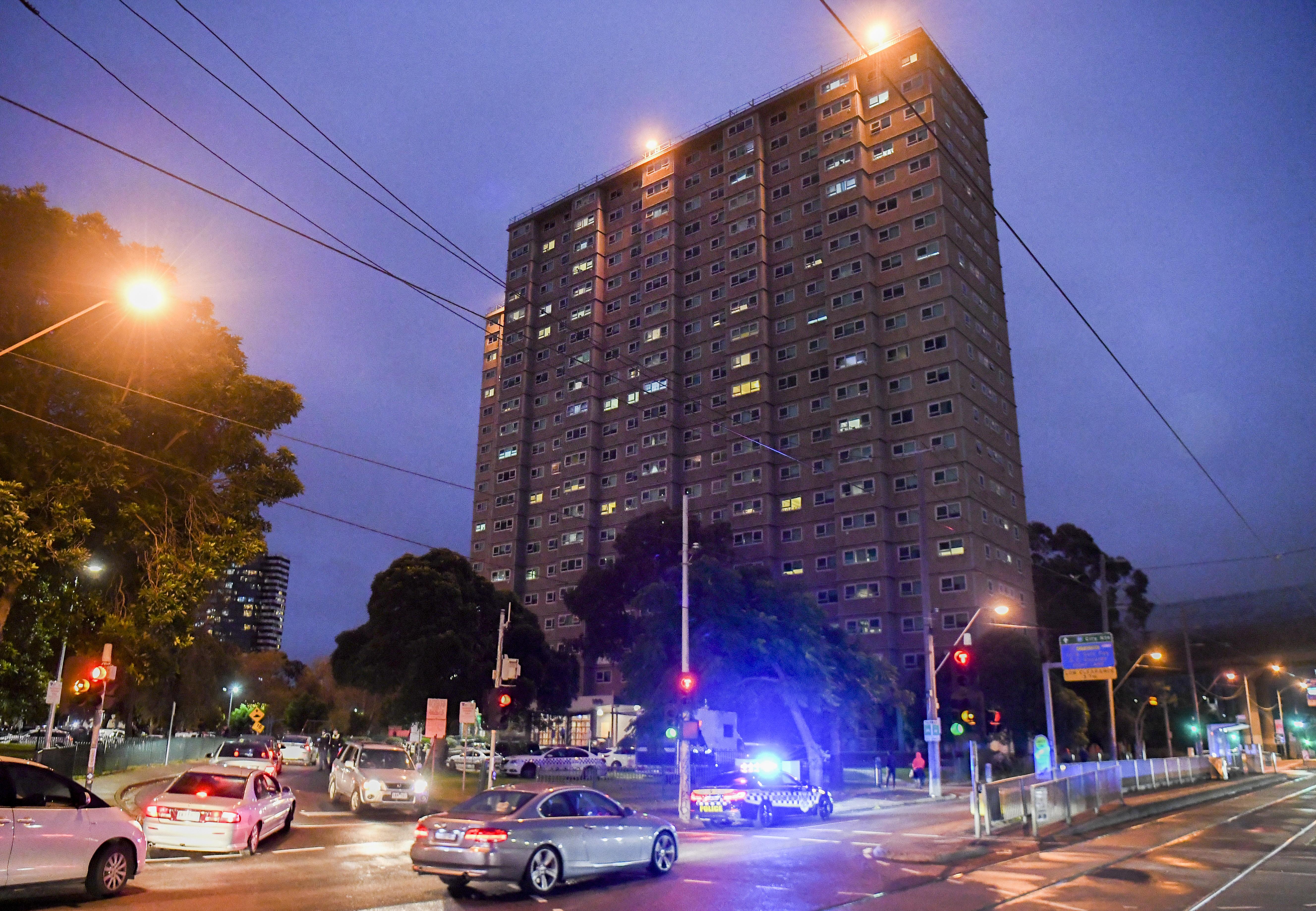 Az ombudsman szerint emberi jogokat sértett a melbourne-i toronyházak lezárása