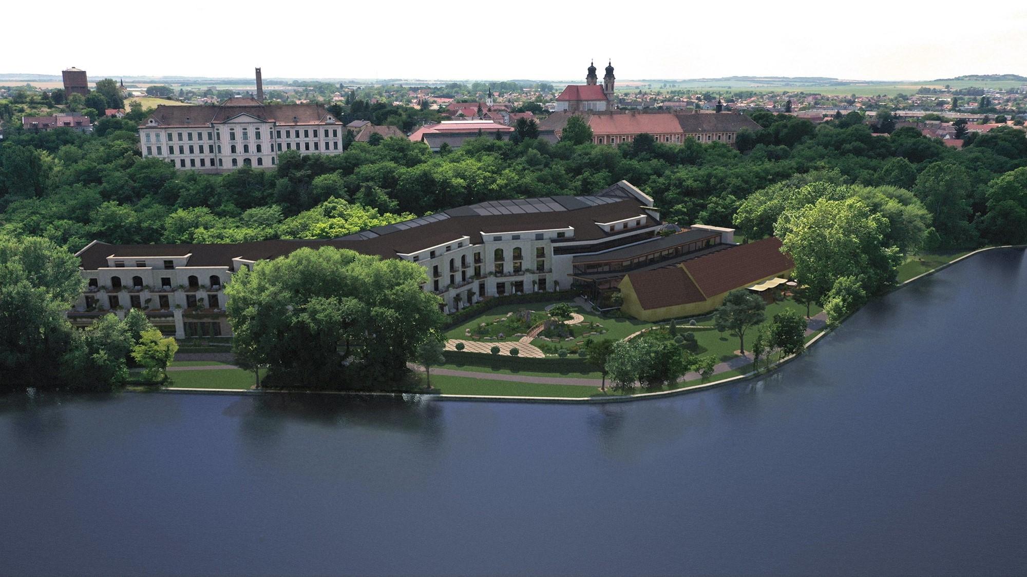 Mindenképp lesz luxushotel a tatai Öreg-tó partján, de azt ígérik, az eddig tervezettnél jóval kisebb