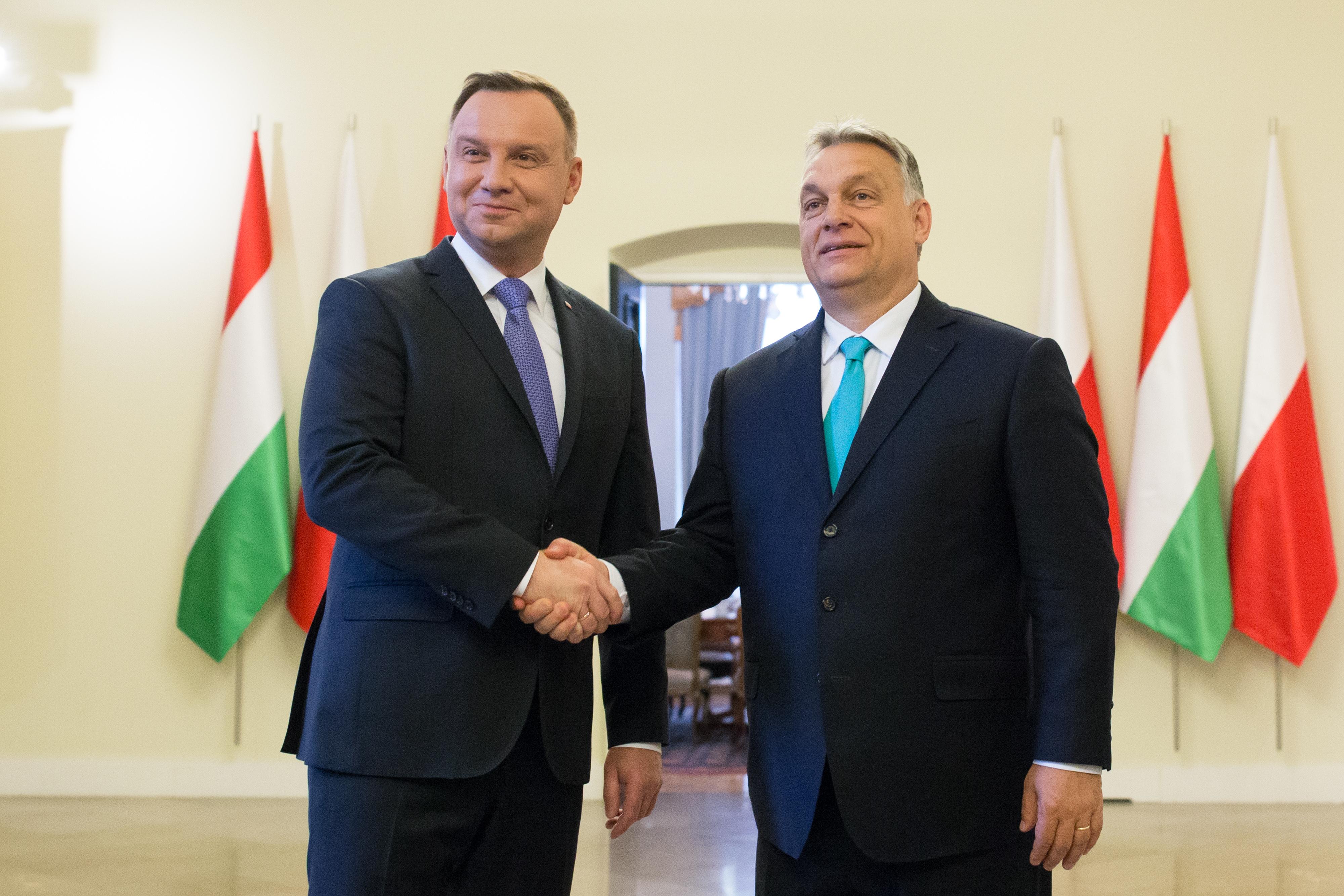 Orbán Viktor kritikus fontosságúnak nevezte Andrzej Duda győzelmét