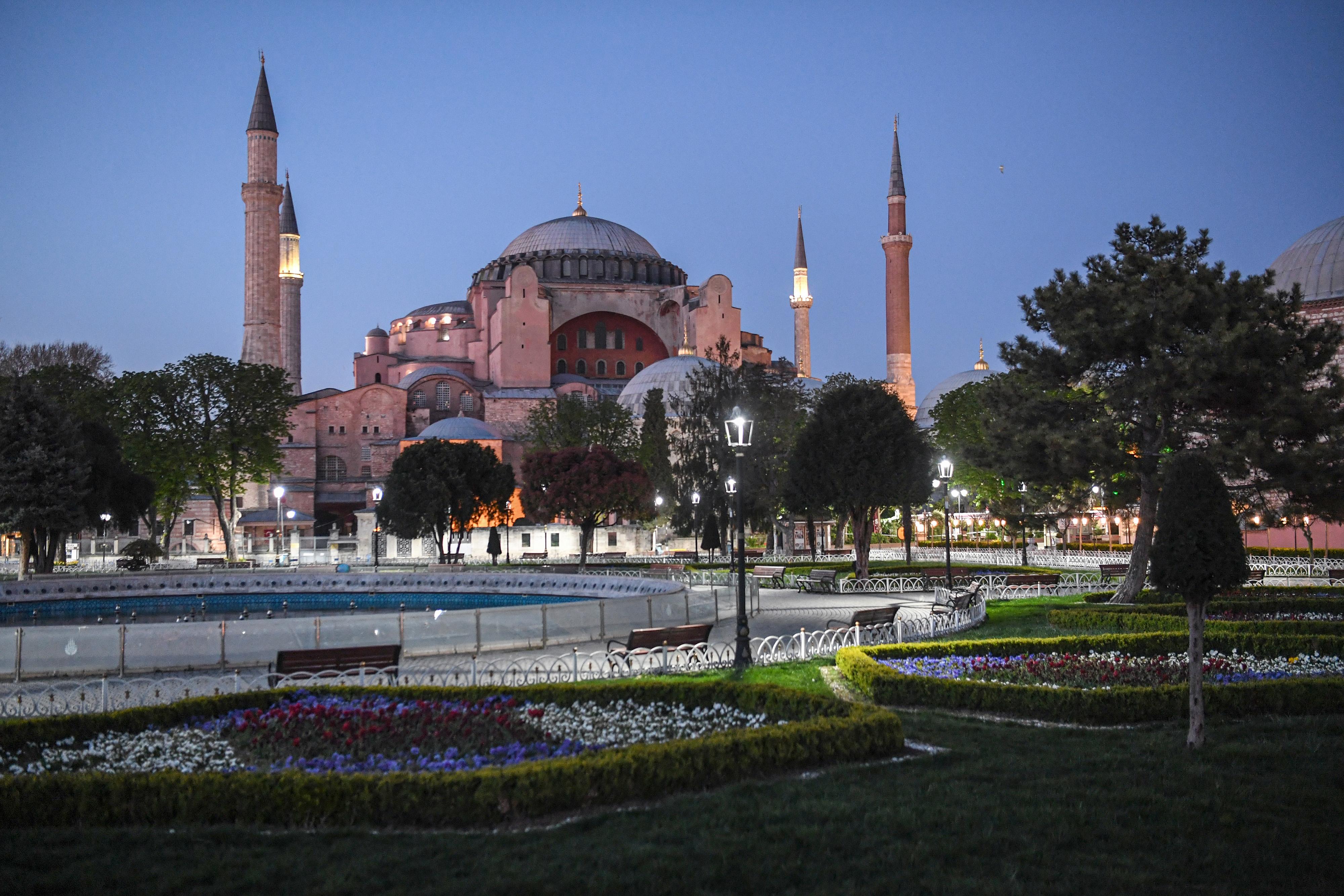 Ismét mecset lesz a Hagia Szophia