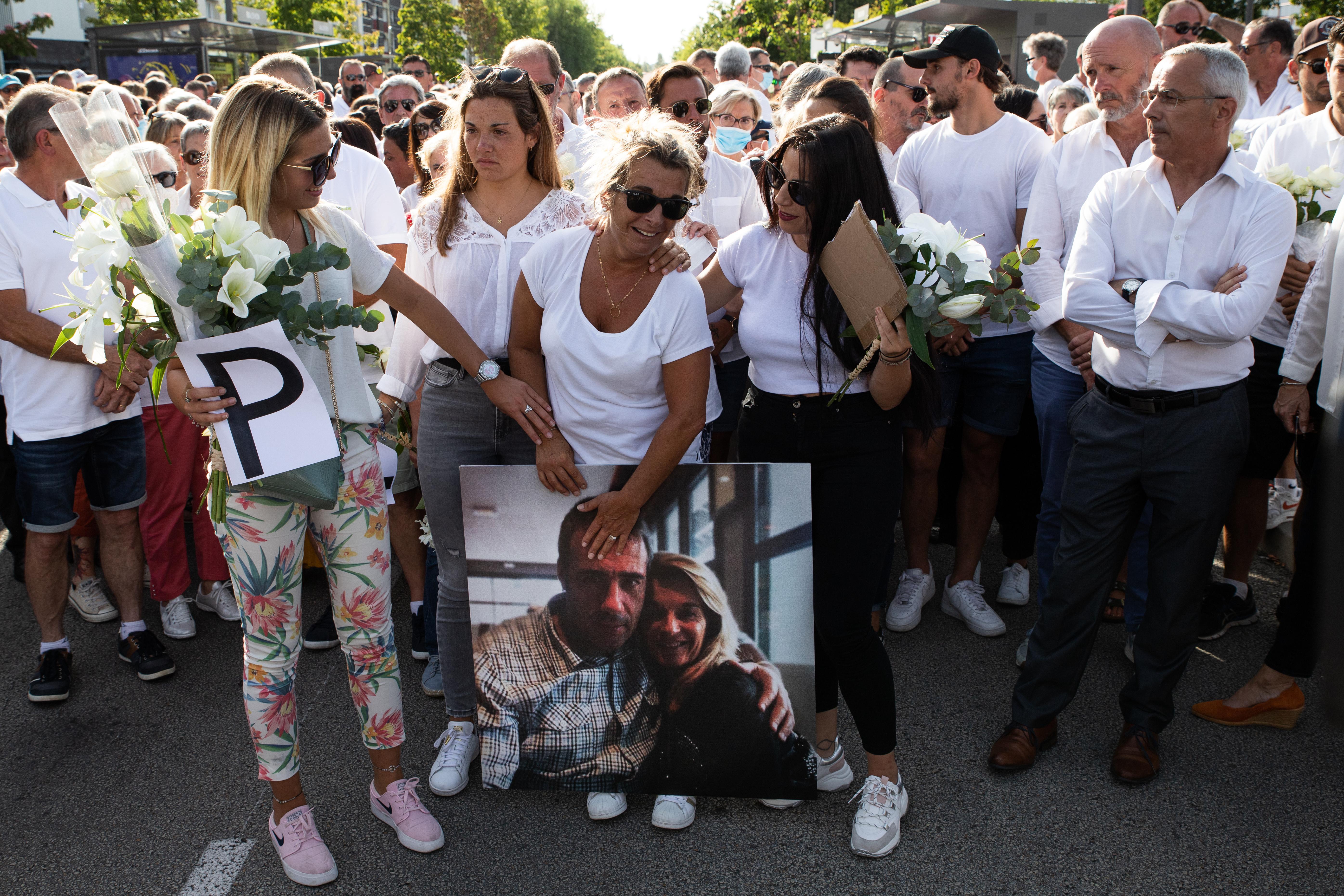 Meghalt a francia buszsofőr, aki a kötelező maszkviselésre figyelmeztetett egy társaságot