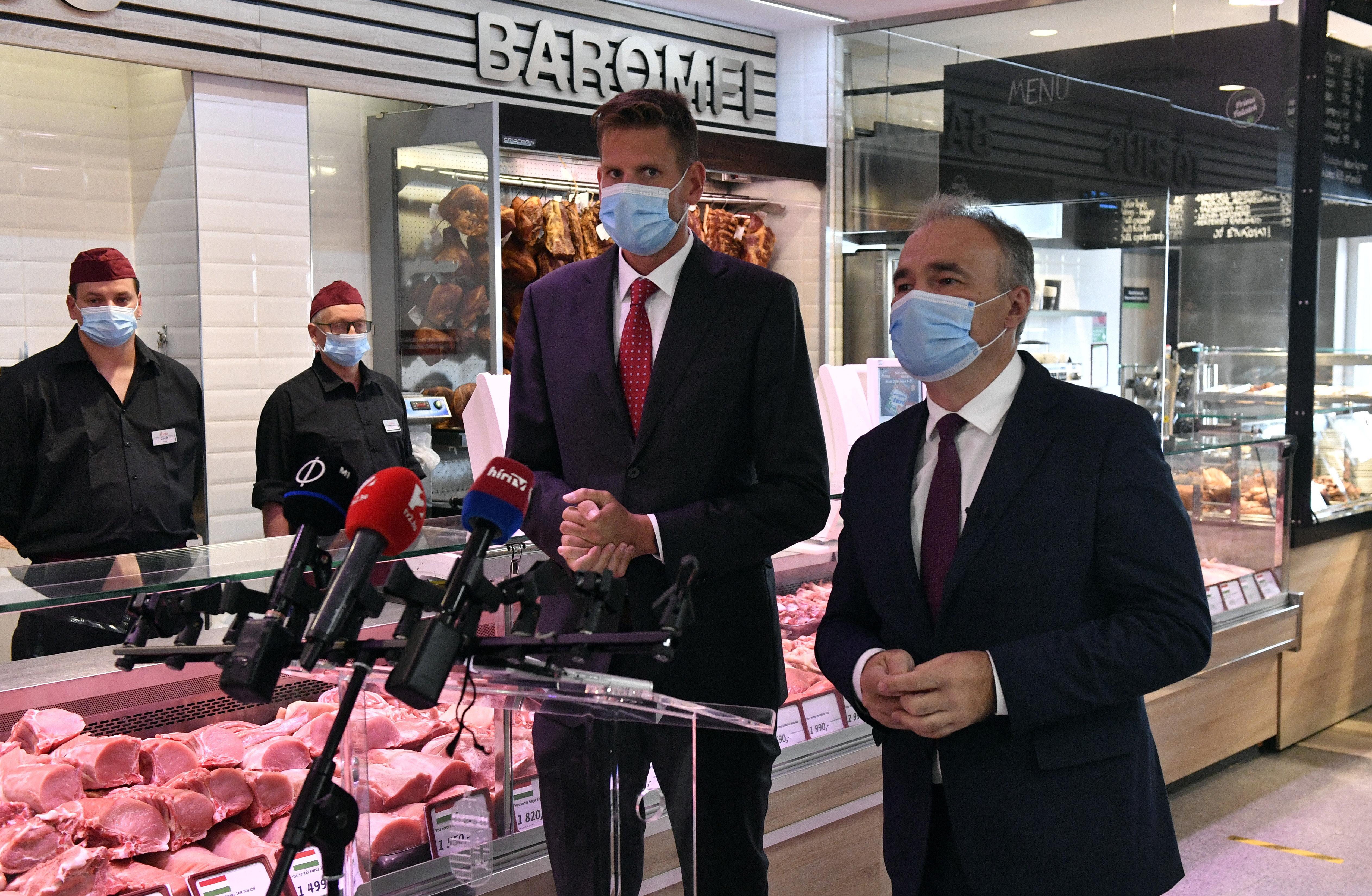 Mától a pultból kínált baromfi-, juh- és kecskehúson is fel kell tüntetni a származási országot