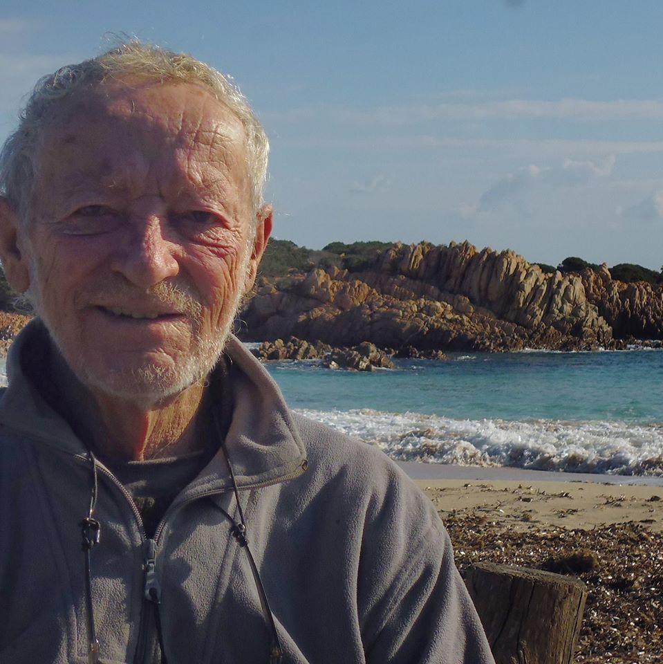 Elköltözik szigetéről az olasz Robinson Crusoe