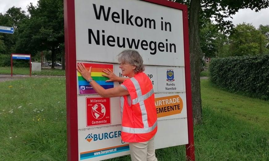 """Egy holland város megszakítja kapcsolatait a """"melegmentes övezetté"""" nyilvánított lengyel testvérvárosával"""