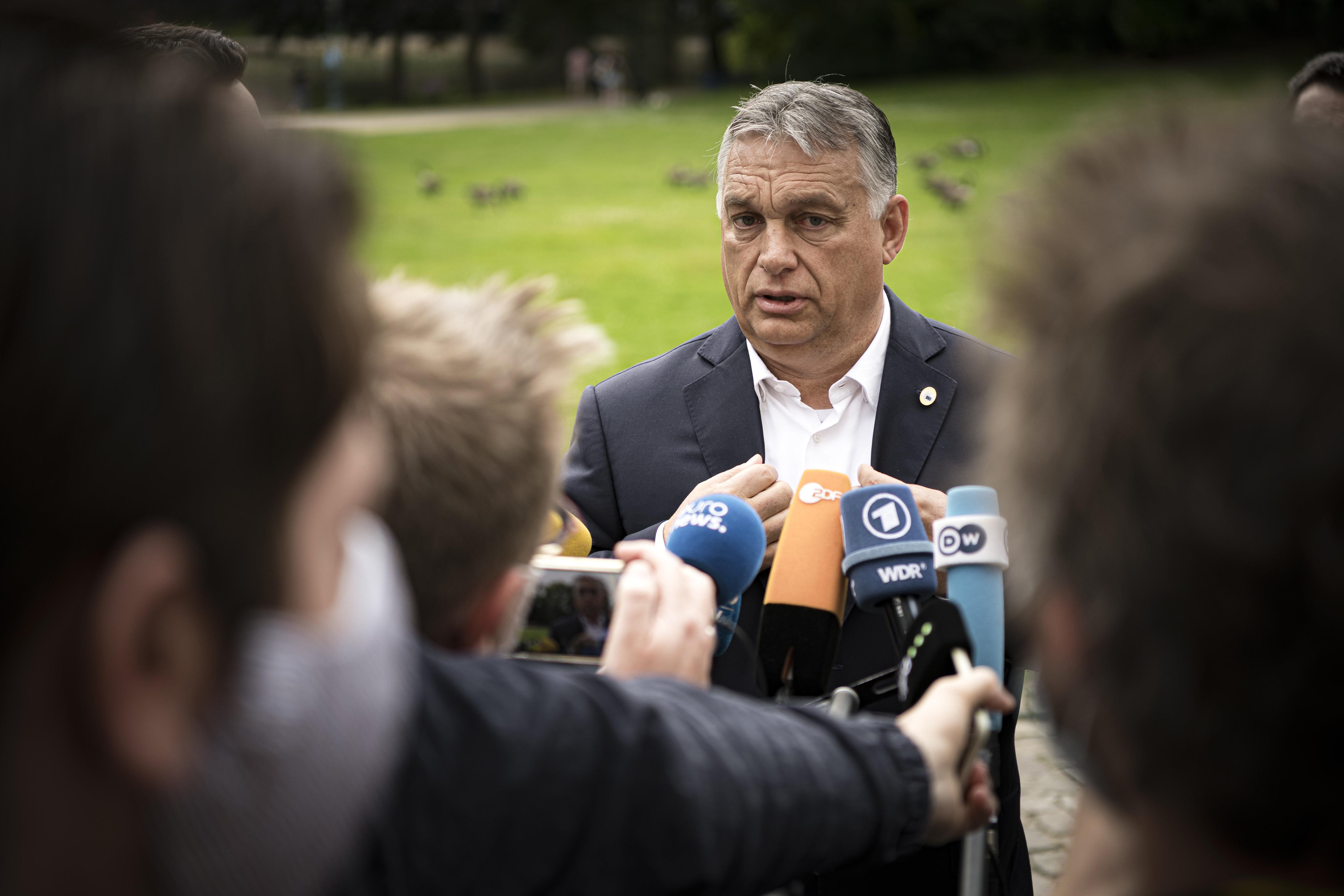 Orbán az EU-csúcson: Még a foci sem olyan fontos, mint hogy megegyezzünk
