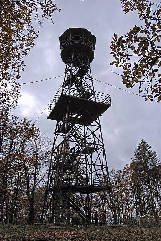 Meghalt az a férfi, aki leesett a 25 méter magas Karancs-kilátóról