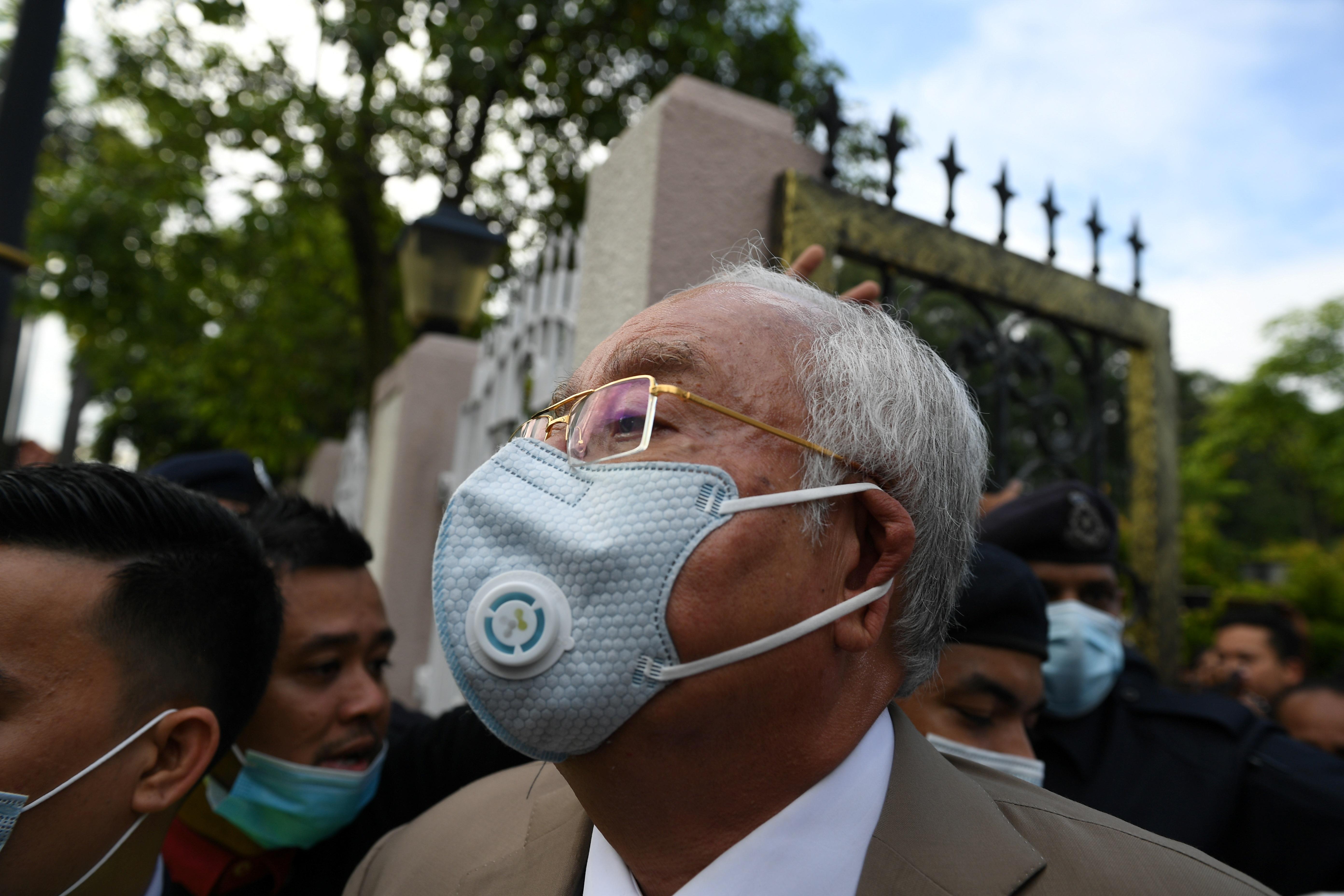 Elítélték a volt maláj miniszterelnököt a sokmilliárd dolláros korrupciós perben