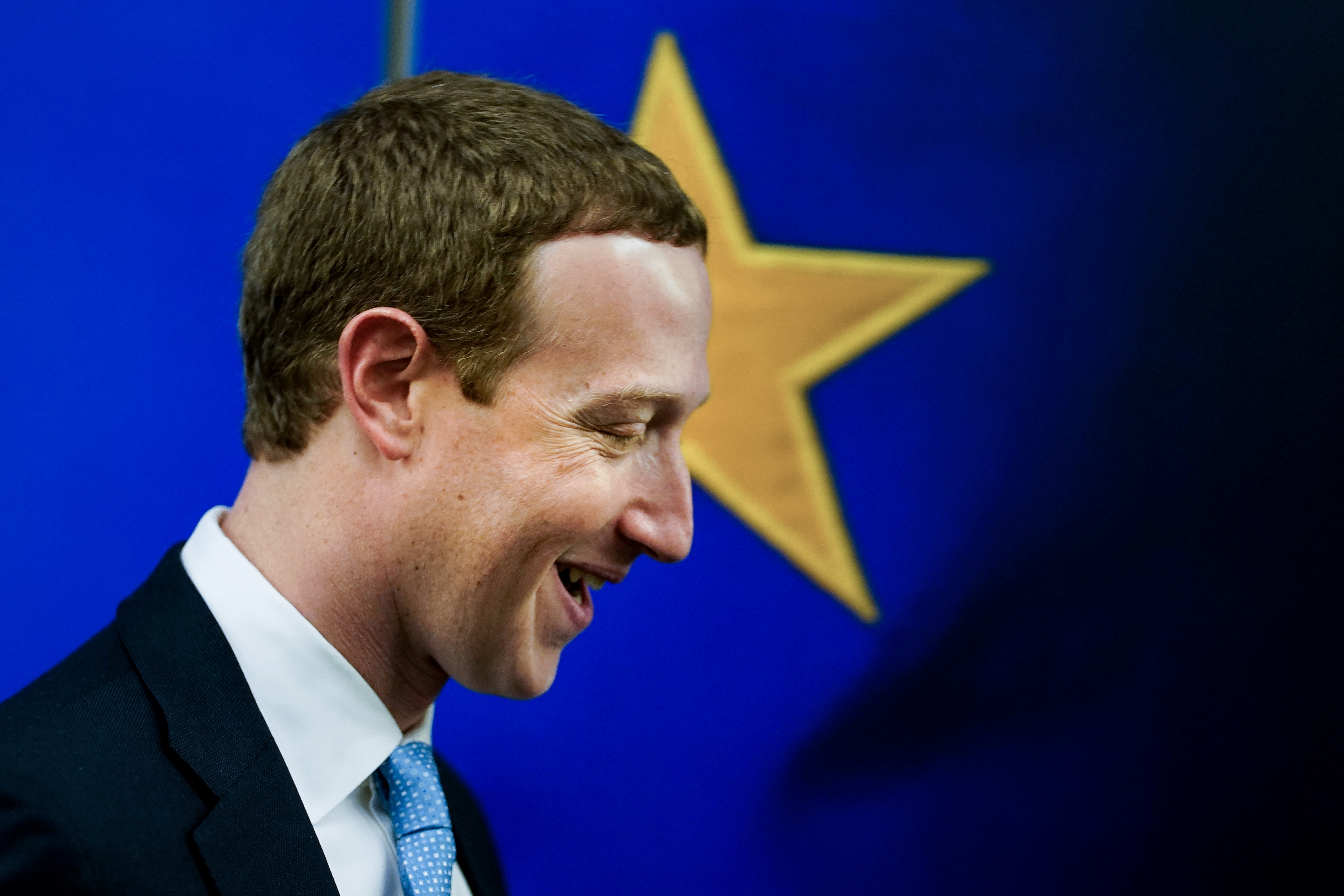 Nyílt zsarolásba kezdett a Facebook: ha életbe lép az új médiatörvény, az ausztrálok többé nem oszthatnának meg egyetlen hírt sem az oldalon