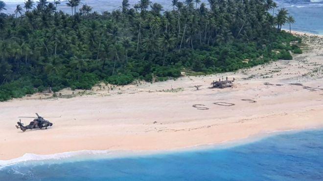 Homokba írt SOS felirat mentette meg három tengerész életét  Mikronéziában