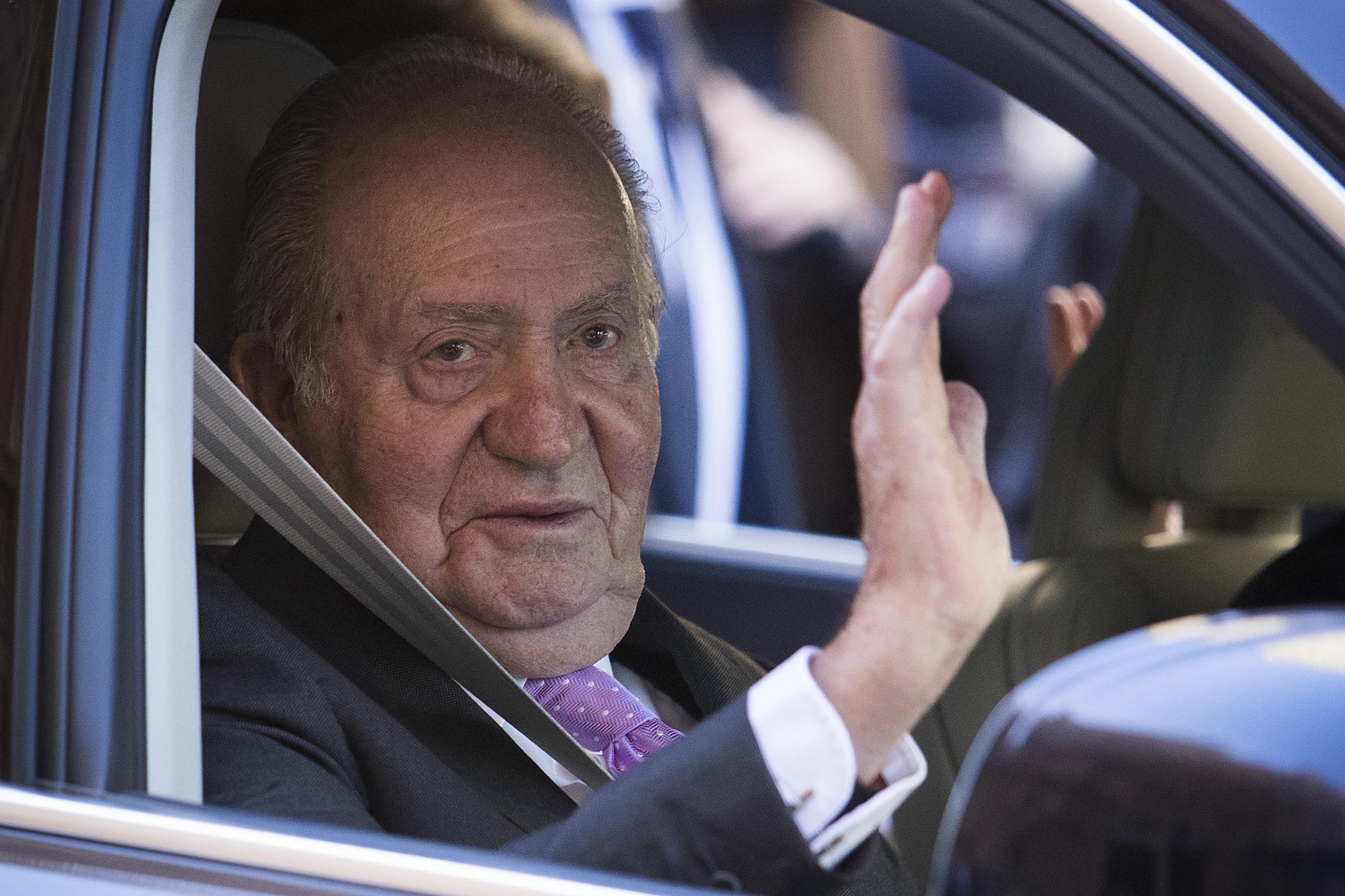 Az Arab Emírségekből jelentkezett a spanyolok köddé vált királya