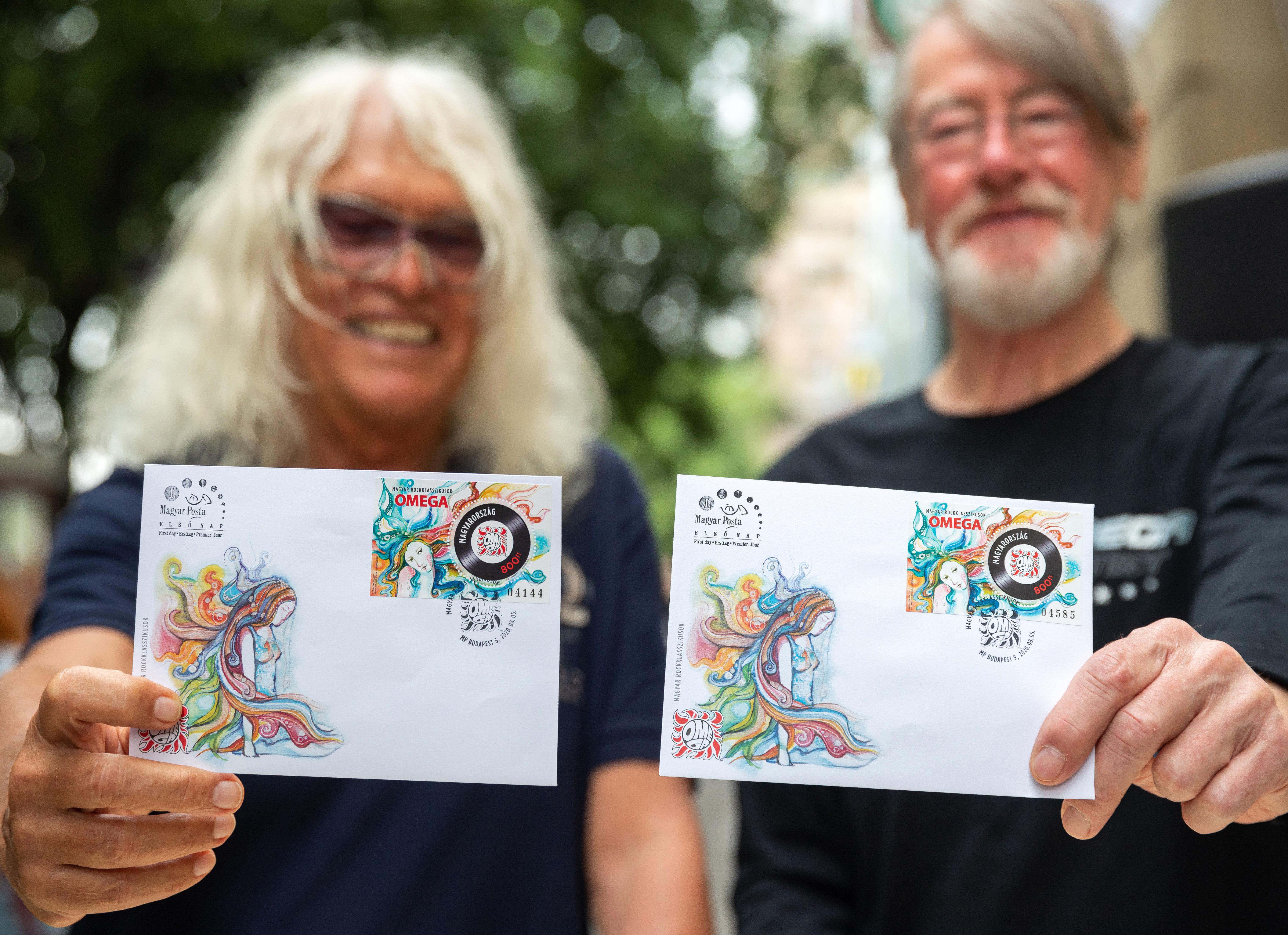 Kőkemény törőhír: omegás bélyeget nyalhatnak fel a legvadabb rockerek