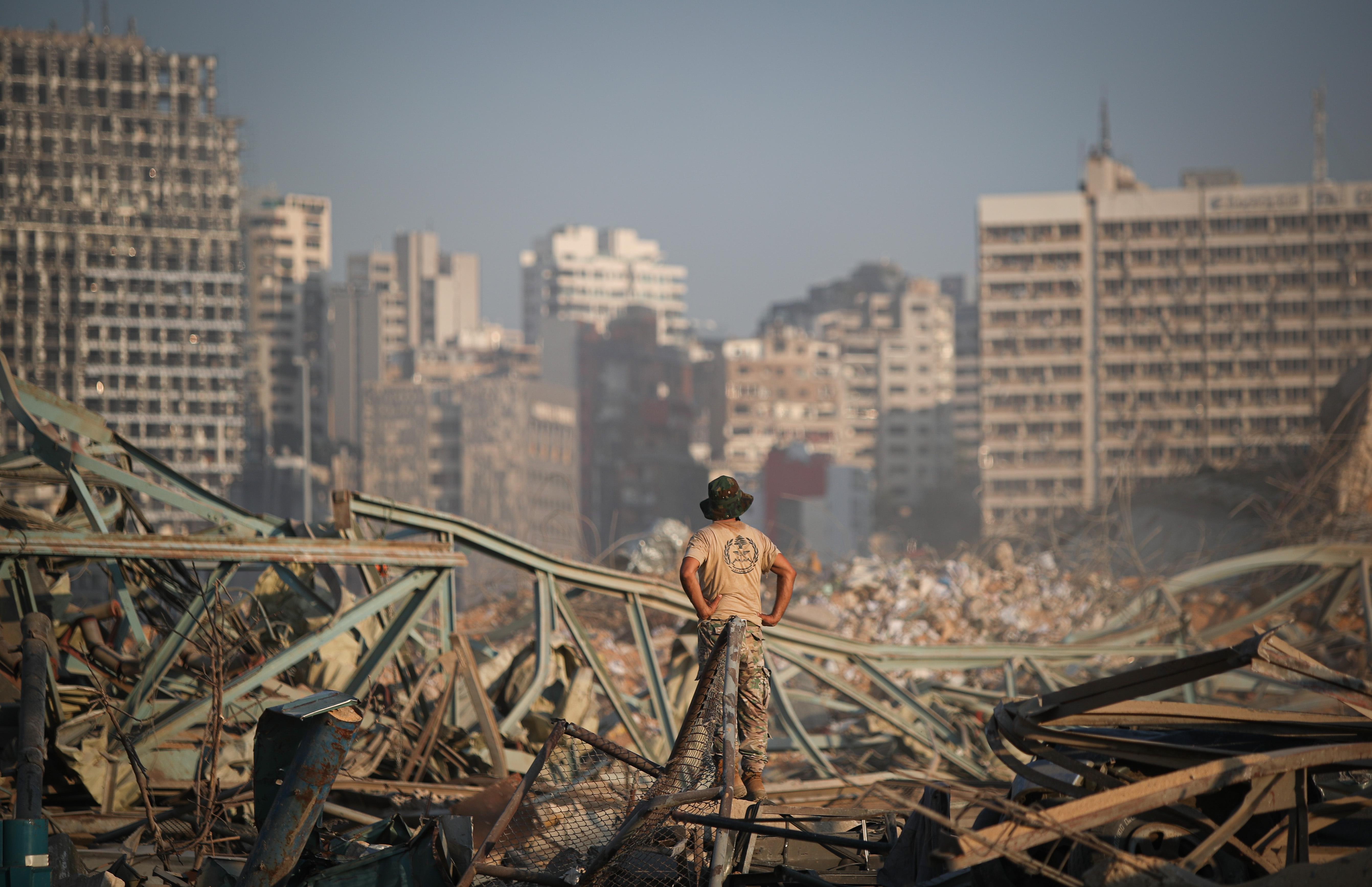 Lemond a libanoni kormány a robbanás miatt