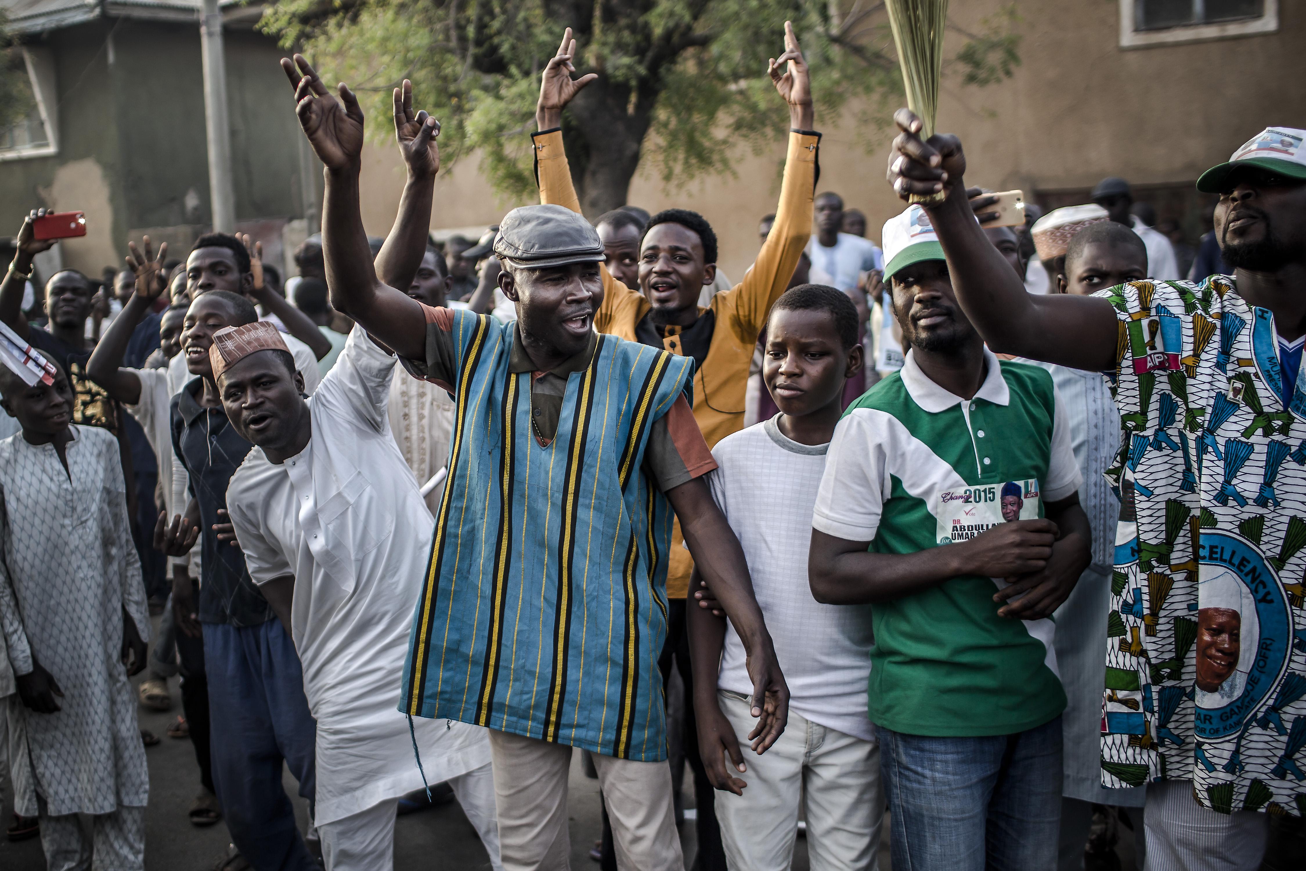 Nigériában istenkáromlásért halálra ítéltek egy 22 éves énekest