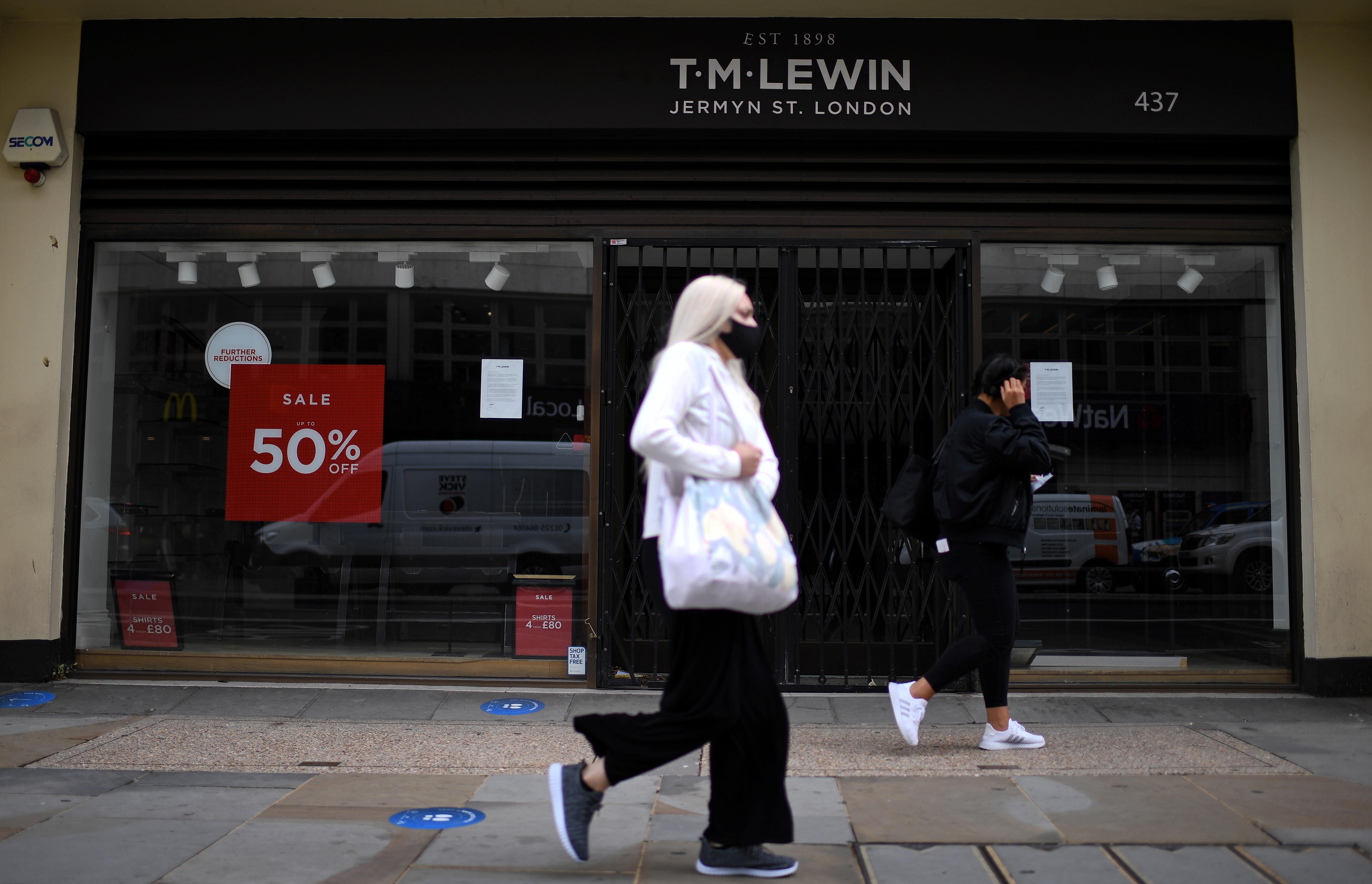 220 ezer brit munkahely szűnt meg a járvány kezdete óta