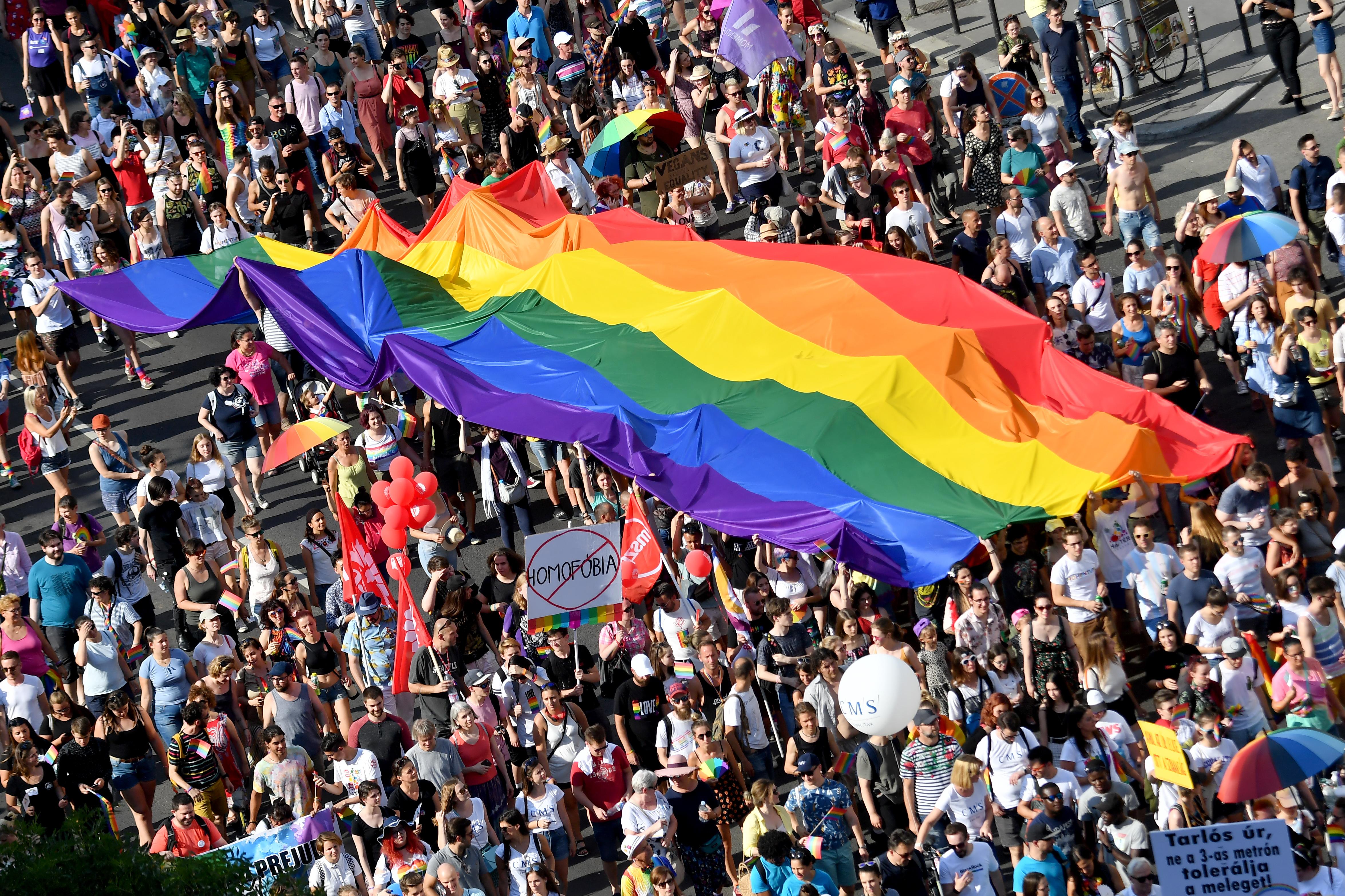 Homofób támadás a 4. hullám előtt