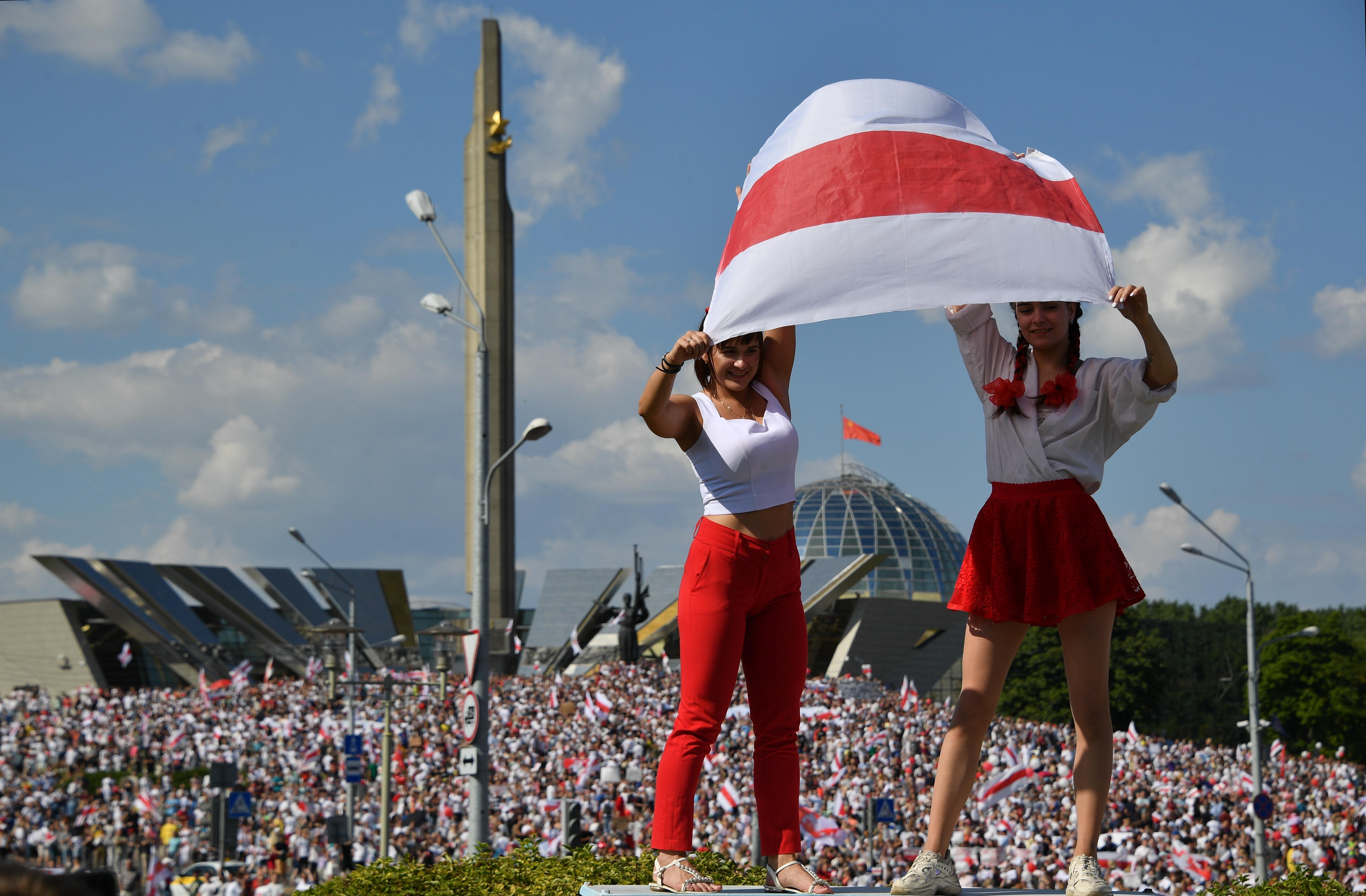Lengyelország 1 milliárd eurós támogatást kér az EU-tól Fehéroroszország újjáépítésére