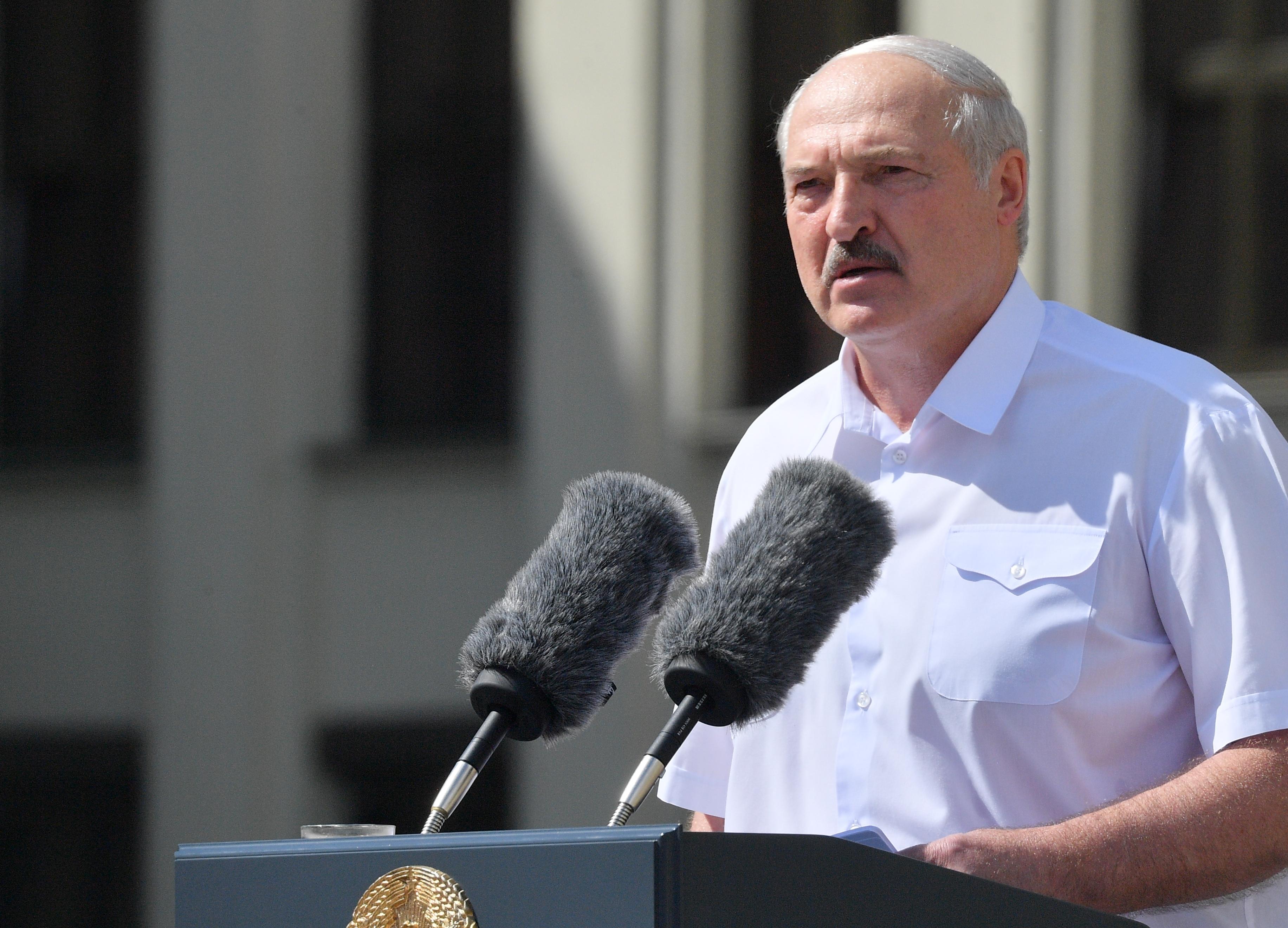 A civil szervezetek és a sajtó elleni brutális hadjárat folytatását ígéri a fehérorosz diktátor