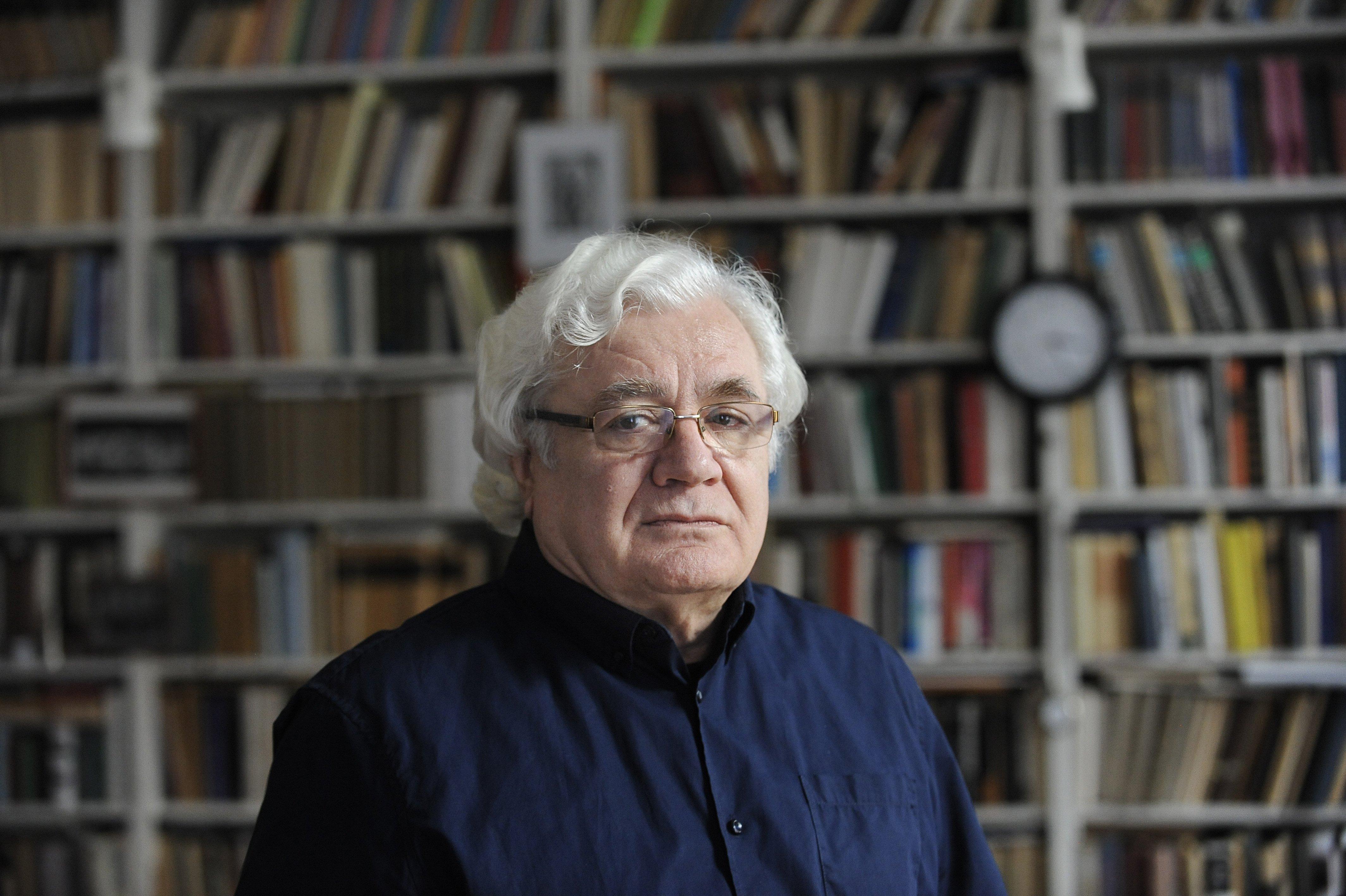Felbontja szerződését az SZFE-vel a legendás rendező és tanár, Székely Gábor