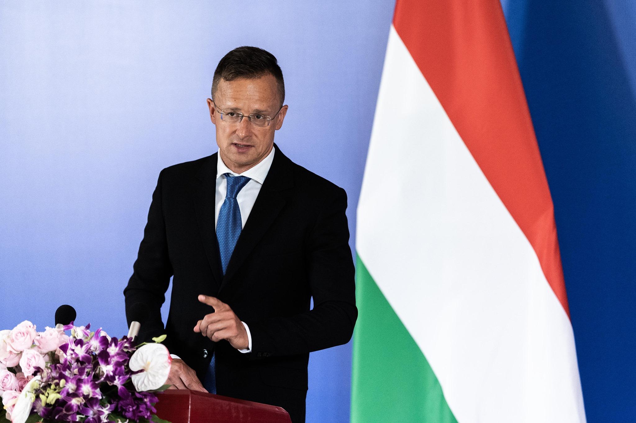 Magyarország 400-400 ezer adag oltóanyagot ad el Thaiföldnek és Vietnamnak