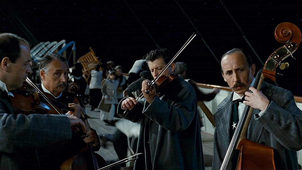 A Titanic halálra készülő zenészeinek dalával búcsúztak utolsó posztjukban az indexesek