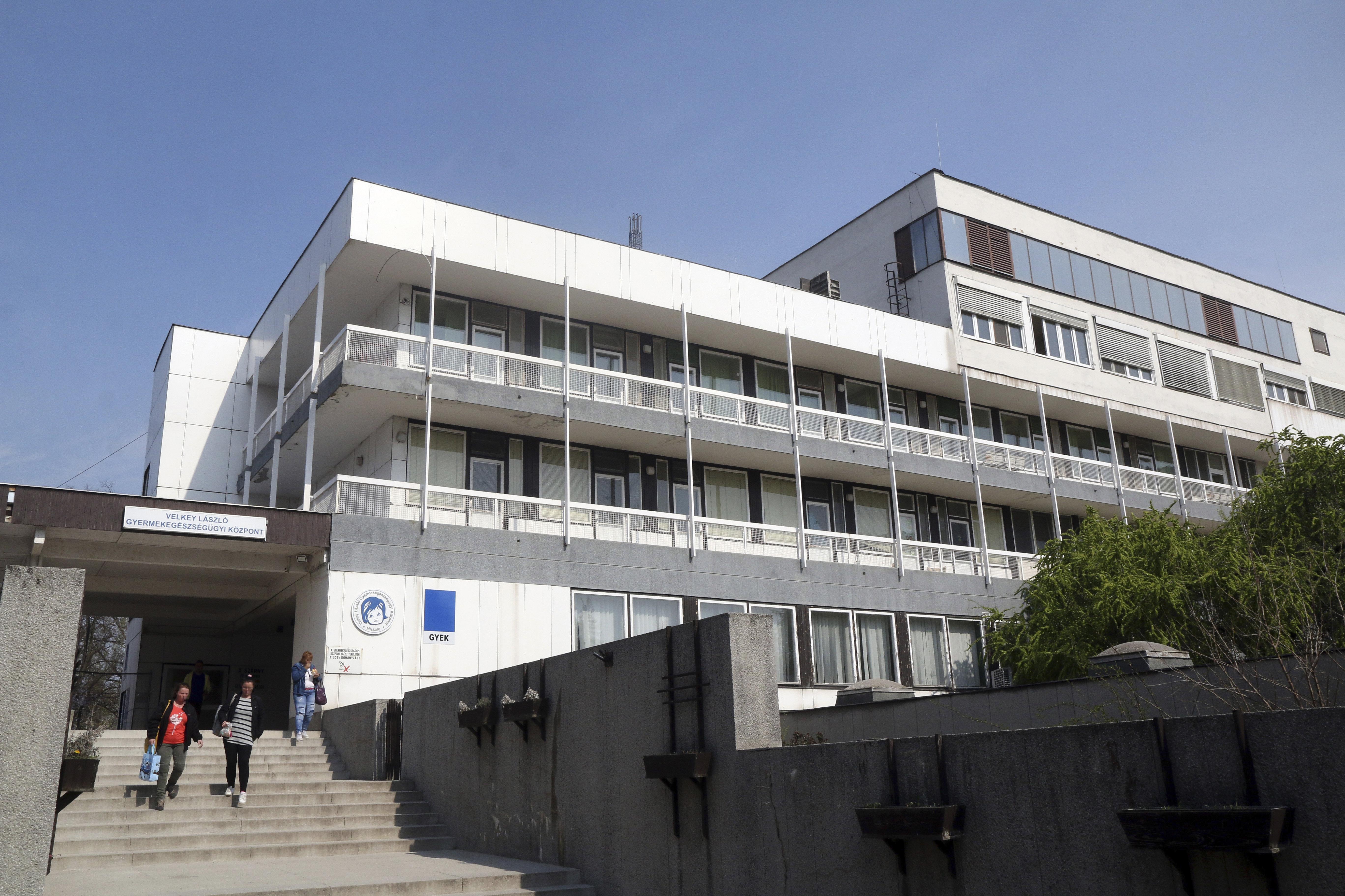 Kúria: A miskolci kórház diszkriminálta a roma nőket a szülészeten