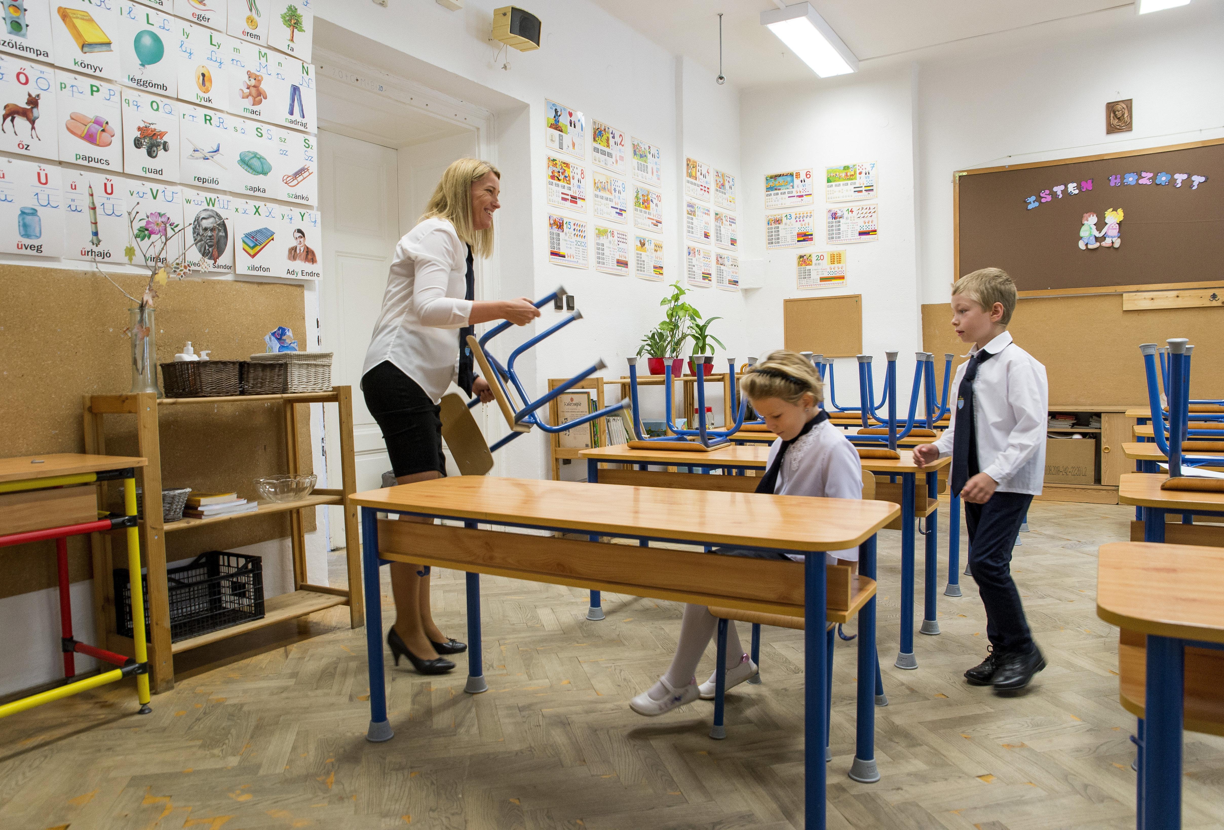 Mégis lesz gyermekfelügyelet az óvodákban és az iskolákban hétfőtől
