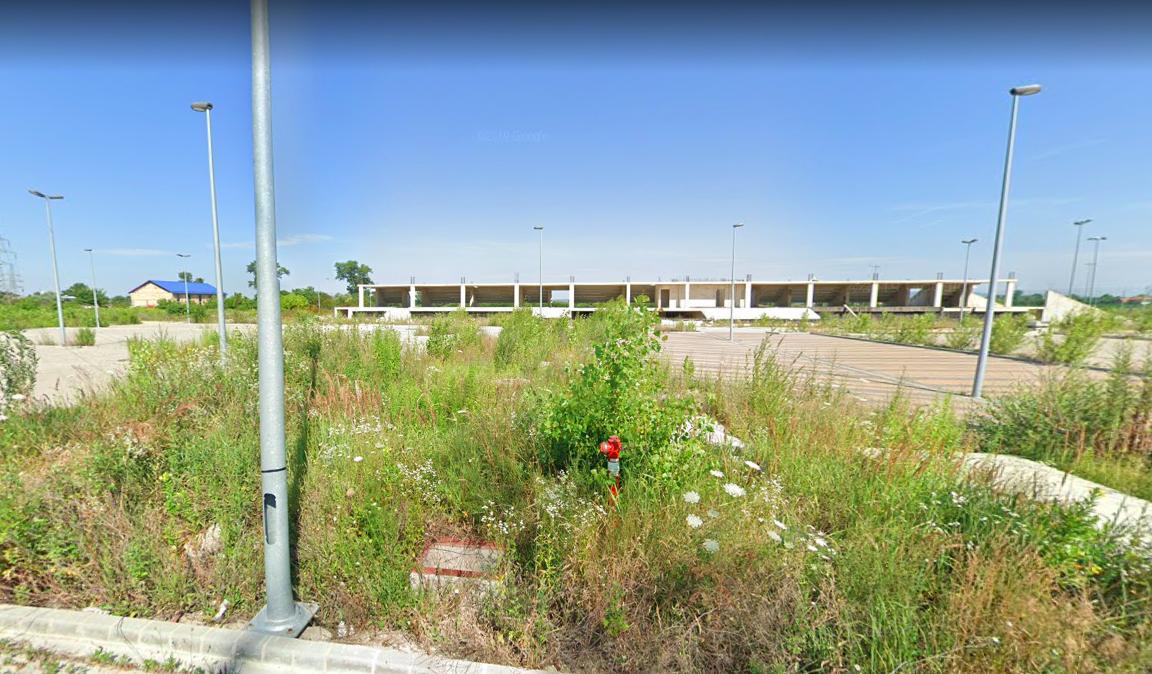 Áron alul eladó egy félkész, de szétlopott stadion