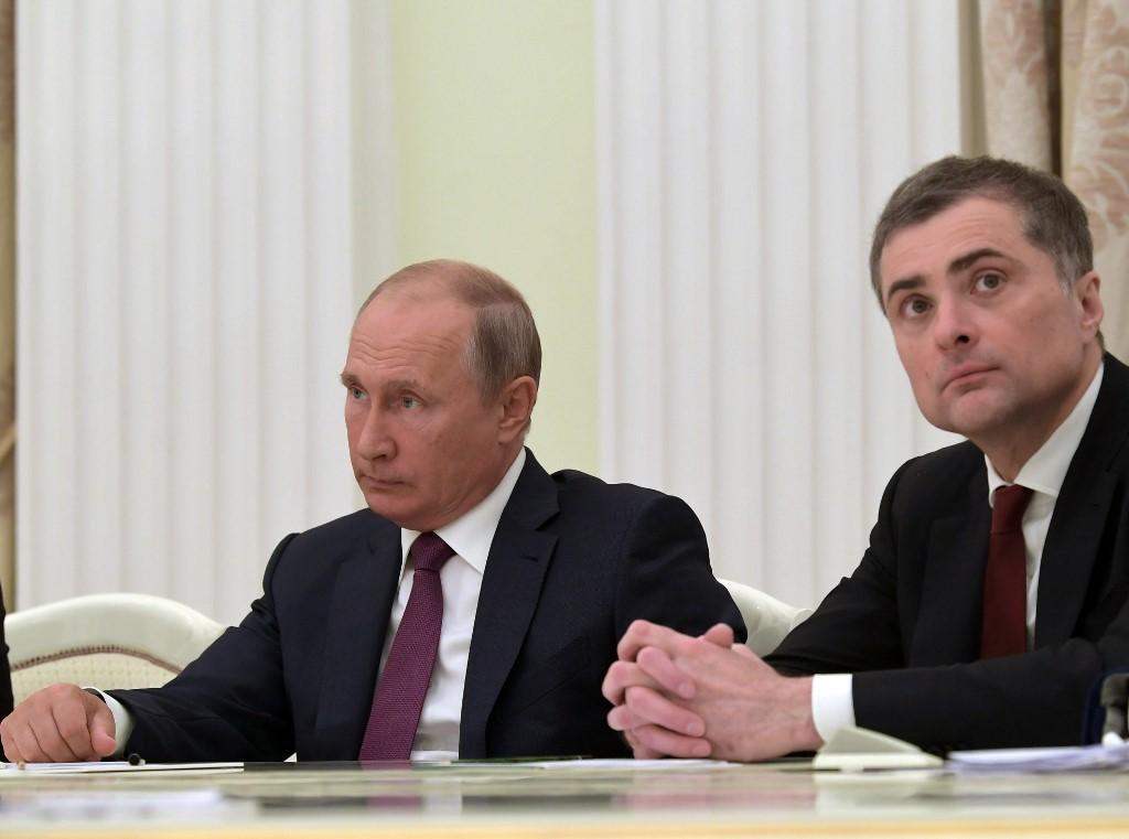 Kokainozásról szóló versben vall az érzéseiről Putyin fél éve kirúgott mindenható kommunikációs tanácsadója, az orosz Habony