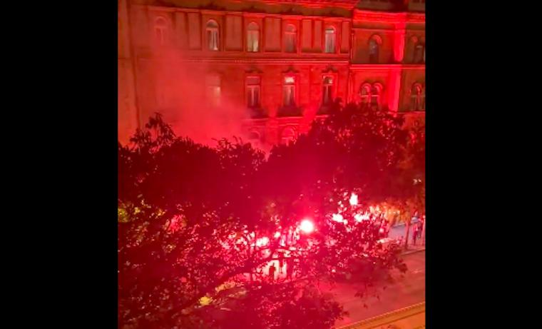 Így szólt a Nagykörúton az Éjjel soha nem érhet véget a török meccs után