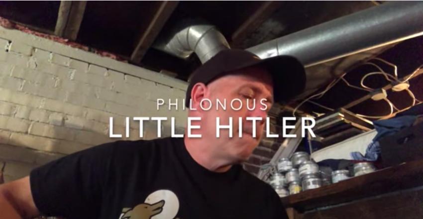 Benned is él egy kis Hitler, bennem is él egy kis Hitler - énekelte a katolikus egyetem vallástanára, kirúgták
