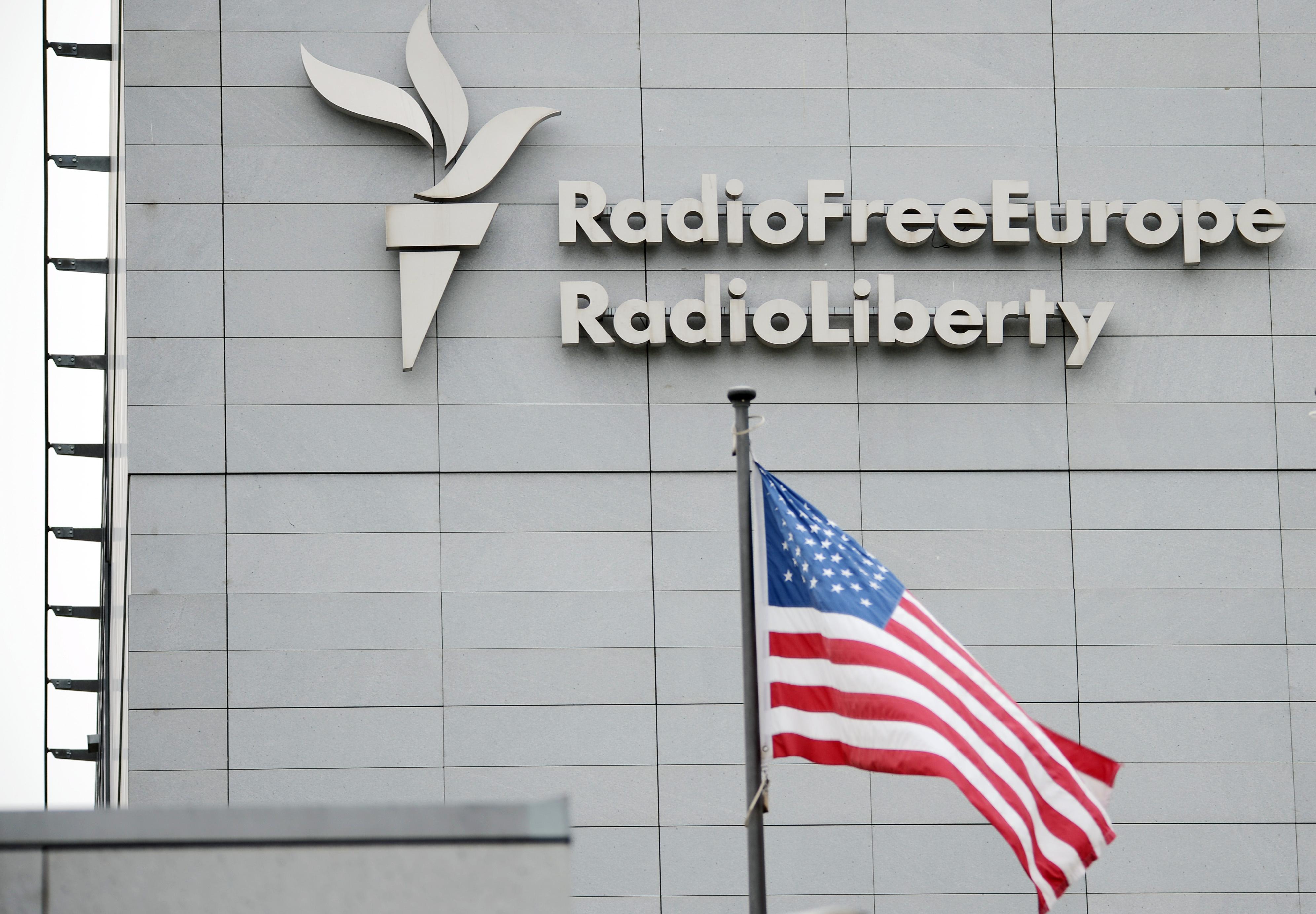 A Szabad Európát is felügyelő amerikai alapítvány vezetője nekiment a szerkesztők függetlenségének