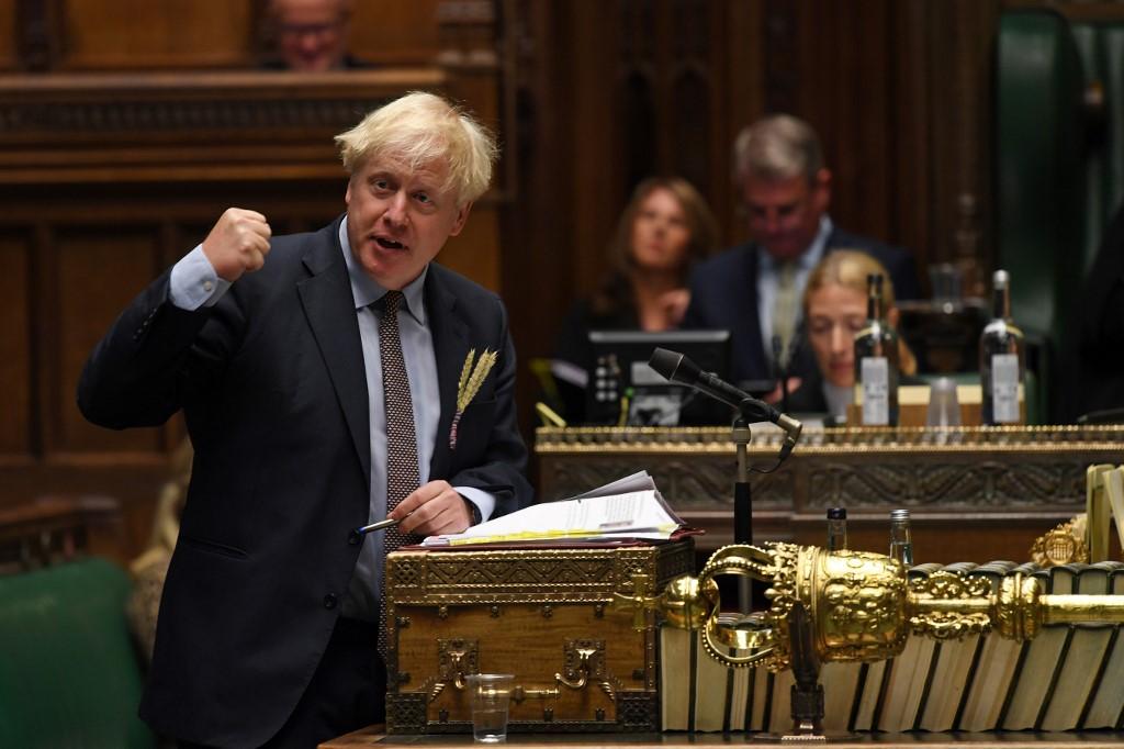 Újraéledt a lehetetlen küzdelem: London belepiszkált a Brexit alkuba
