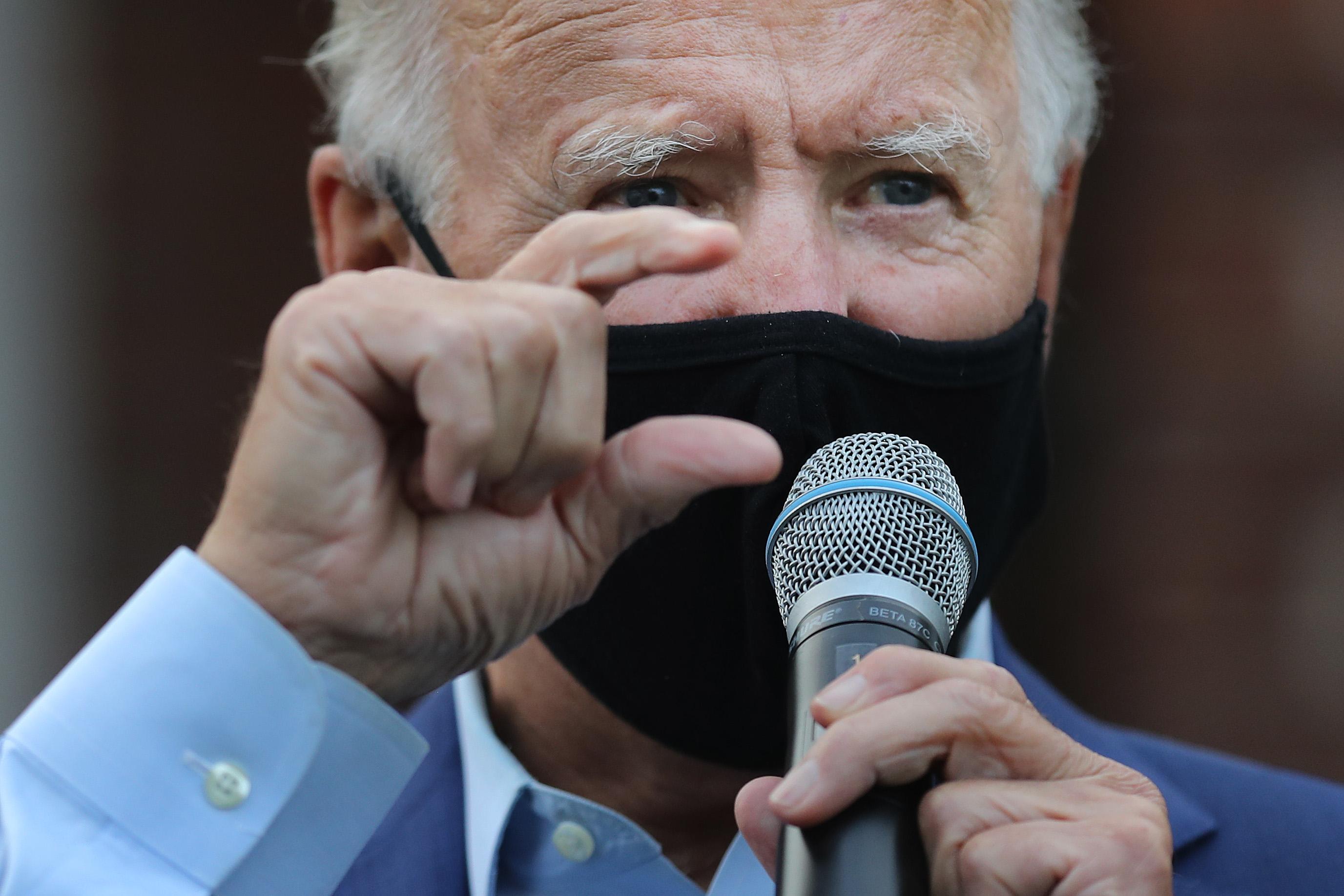 Joe Biden fordult előnyből az amerikai elnökválasztási kampány hajrájában