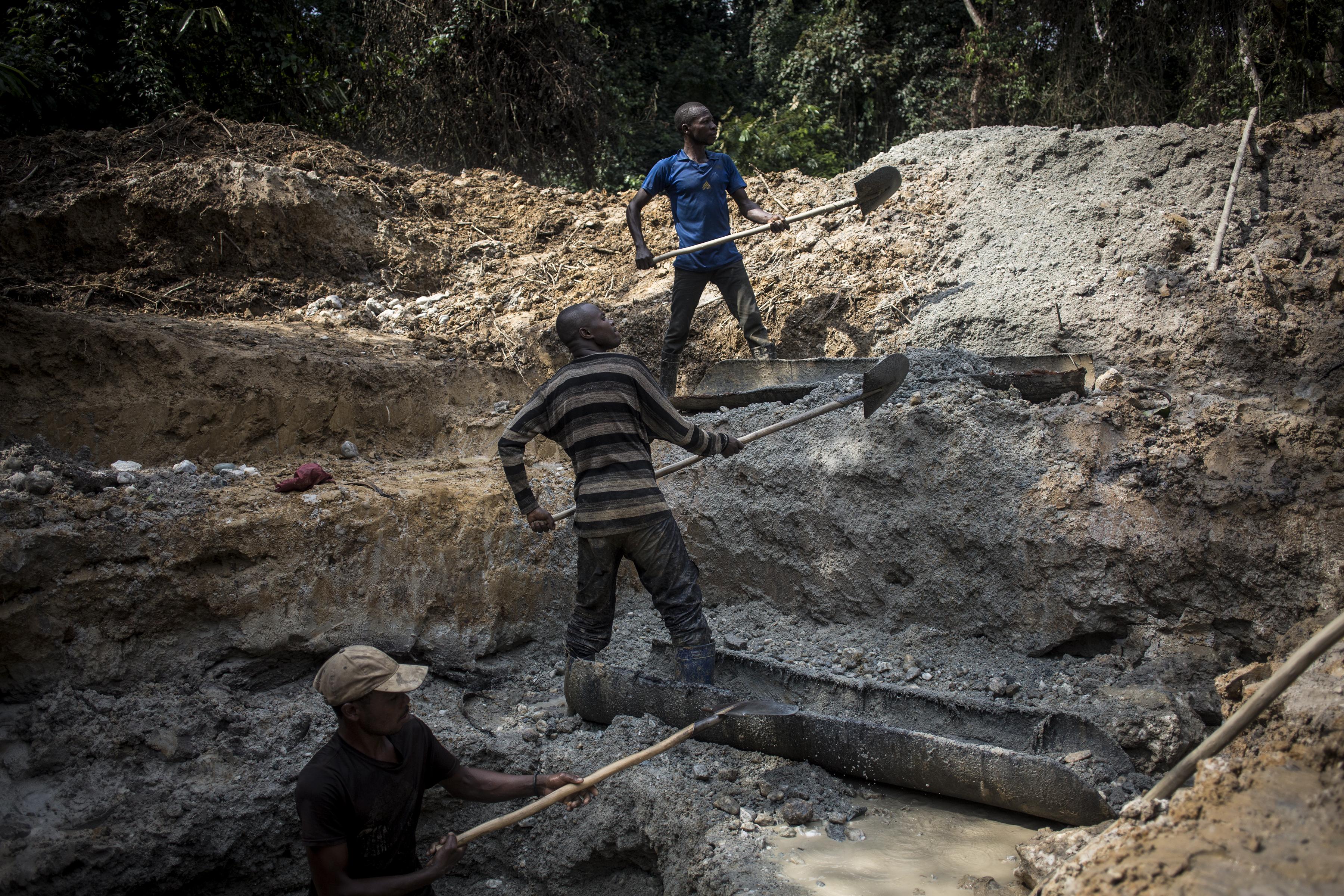 Legalább ötvenen meghaltak egy kongói bányaomlásban