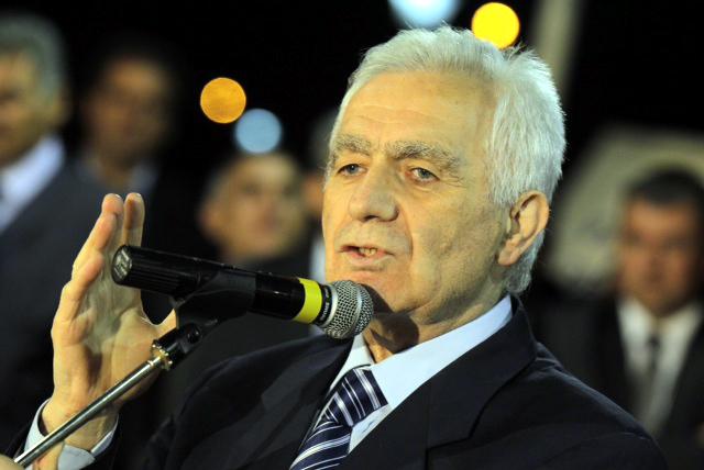 Koronavírusban halt meg a háborús bűnökért elítélt egykori szerb házelnök, Momcilo Krajisnik