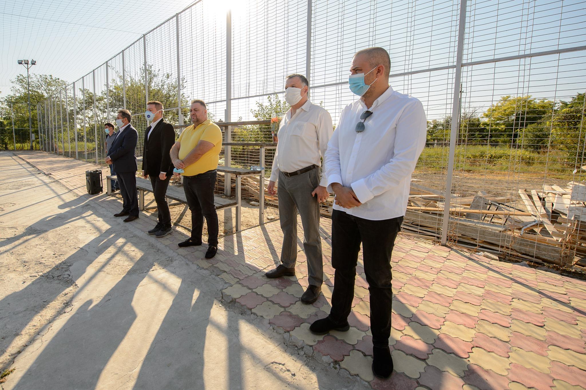 A választások előtt felavattak Konstancán egy félkész iskolát
