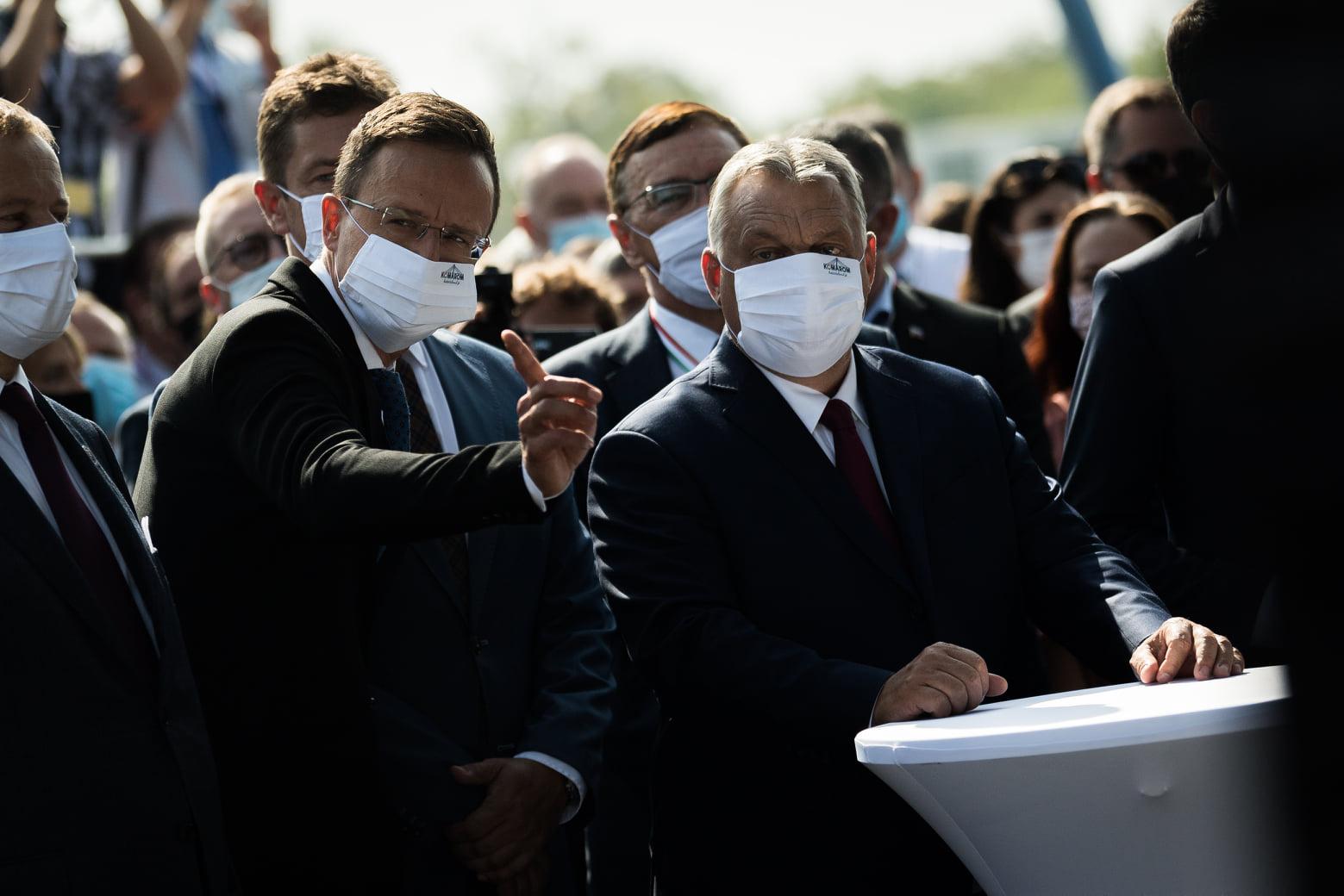 Orbán Viktor és Igor Matovic átadták az új komáromi Duna-hidat