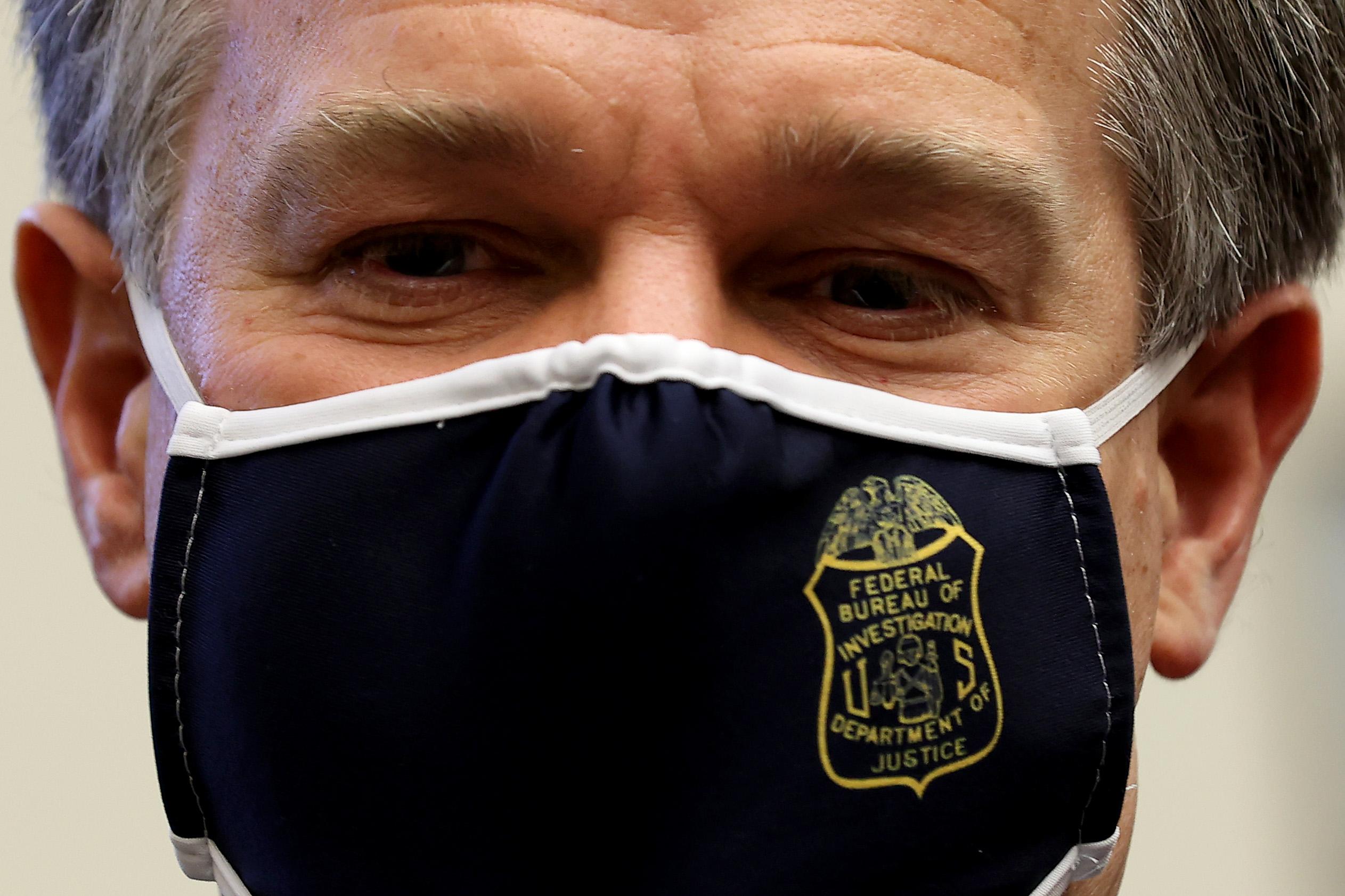 Az FBI igazgatója figyelmeztetett, hogy az oroszok Joe Biden kampányát is megpróbálják befolyásolni