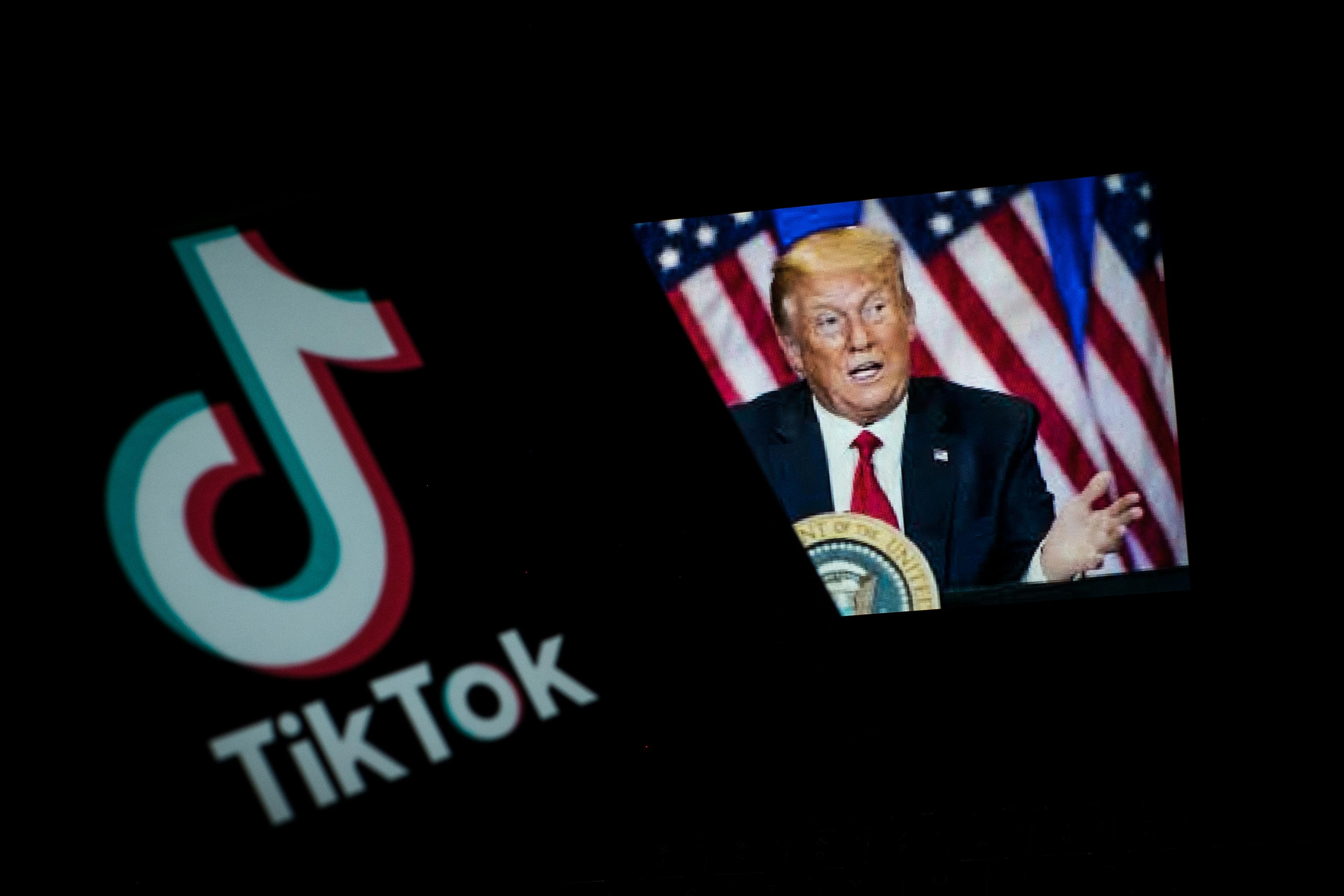 Minden bejegyzést töröl a Facebook, a Twitter és a TikTok, ami a koronavírusos Trump elnök halálát kívánja