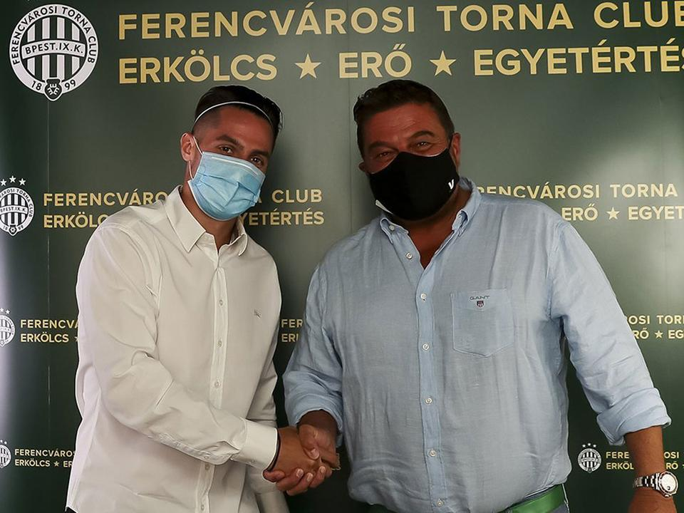 Azt a szlovák szélsőt igazolta le a Fradi, aki tavaly az EB-selejtezős gólja után a címer csókolgatásával vágott vissza a magyar szurkolóknak a Fradi-pályán