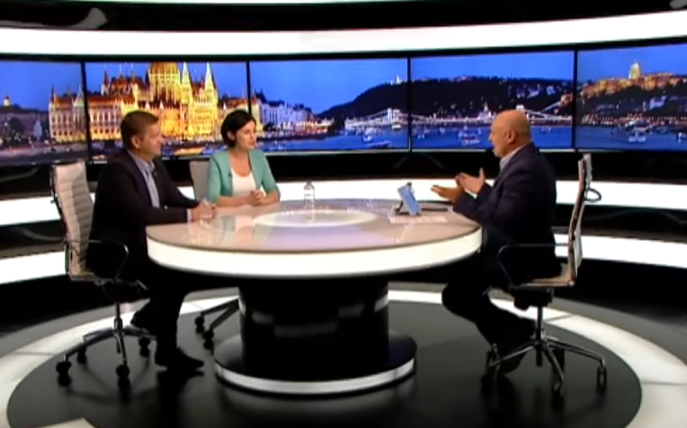 A Külügyminisztérium államtitkára egyszerűen bekiabált az ATV élő műsorába, amikor nem tetszett neki, amit Kunhalmi Ágnes mond