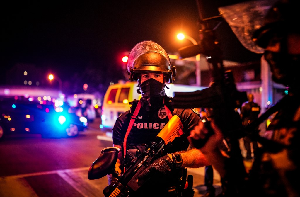 Meglőttek két rendőrt a tüntetők Kentuckyban