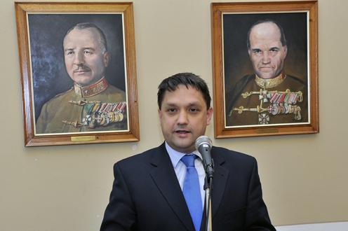 Vidnyánszkyék lecserélik az SZFE kancellárját egy katonatisztre