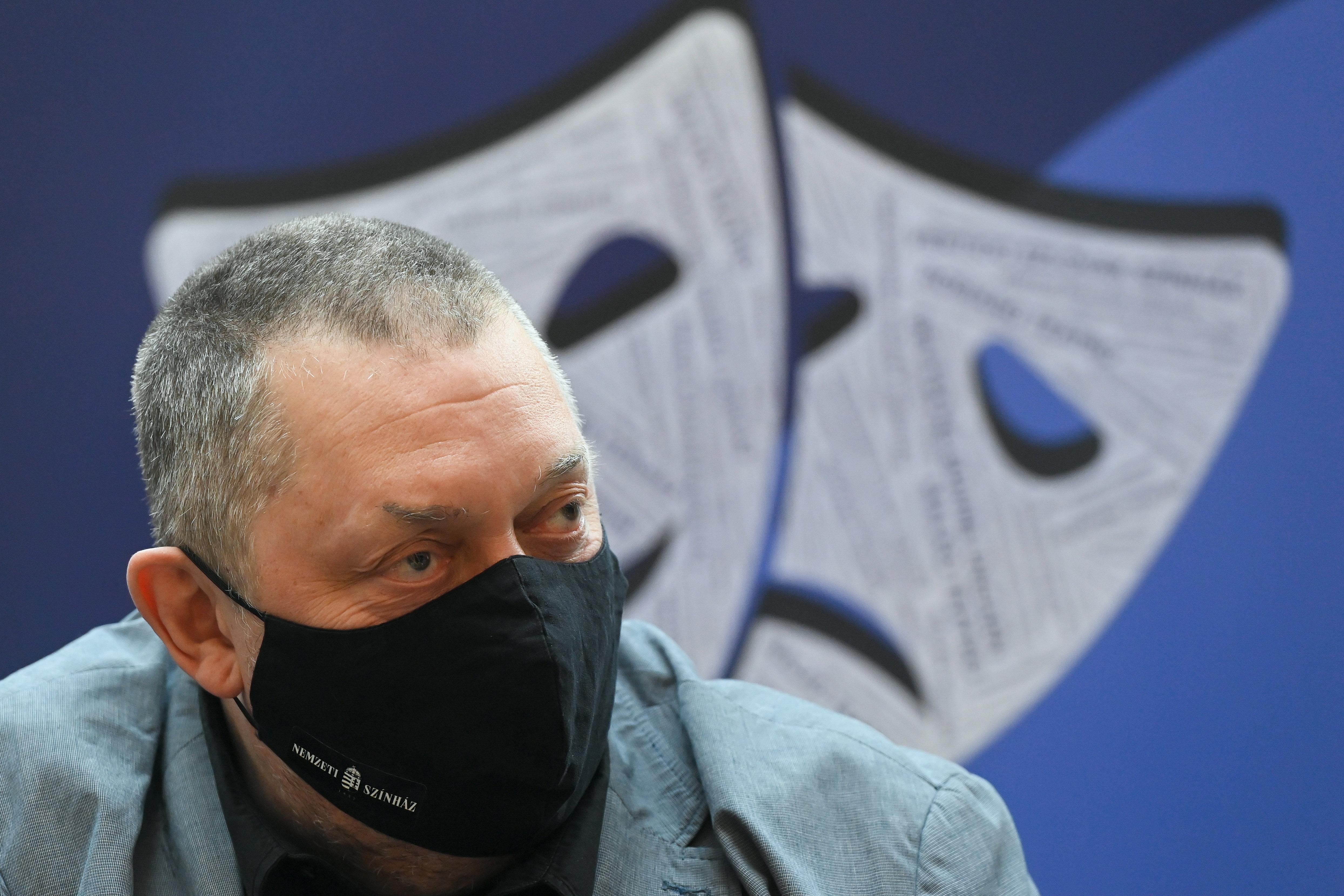 Vidnyánszky bemutatta az SZFE új rektorhelyetteseit