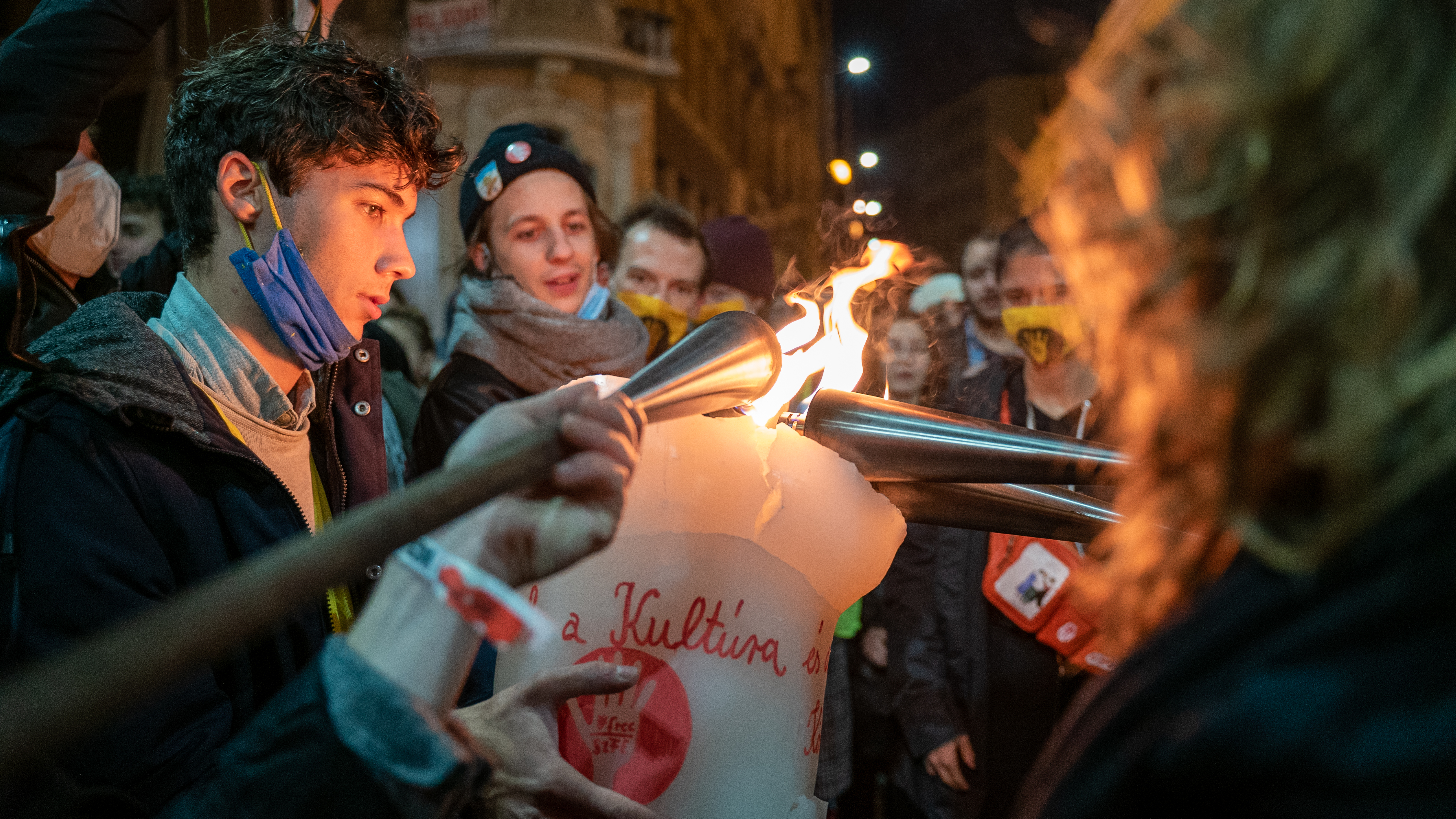 Élő adás az SzFE diákjainak demonstrációjáról
