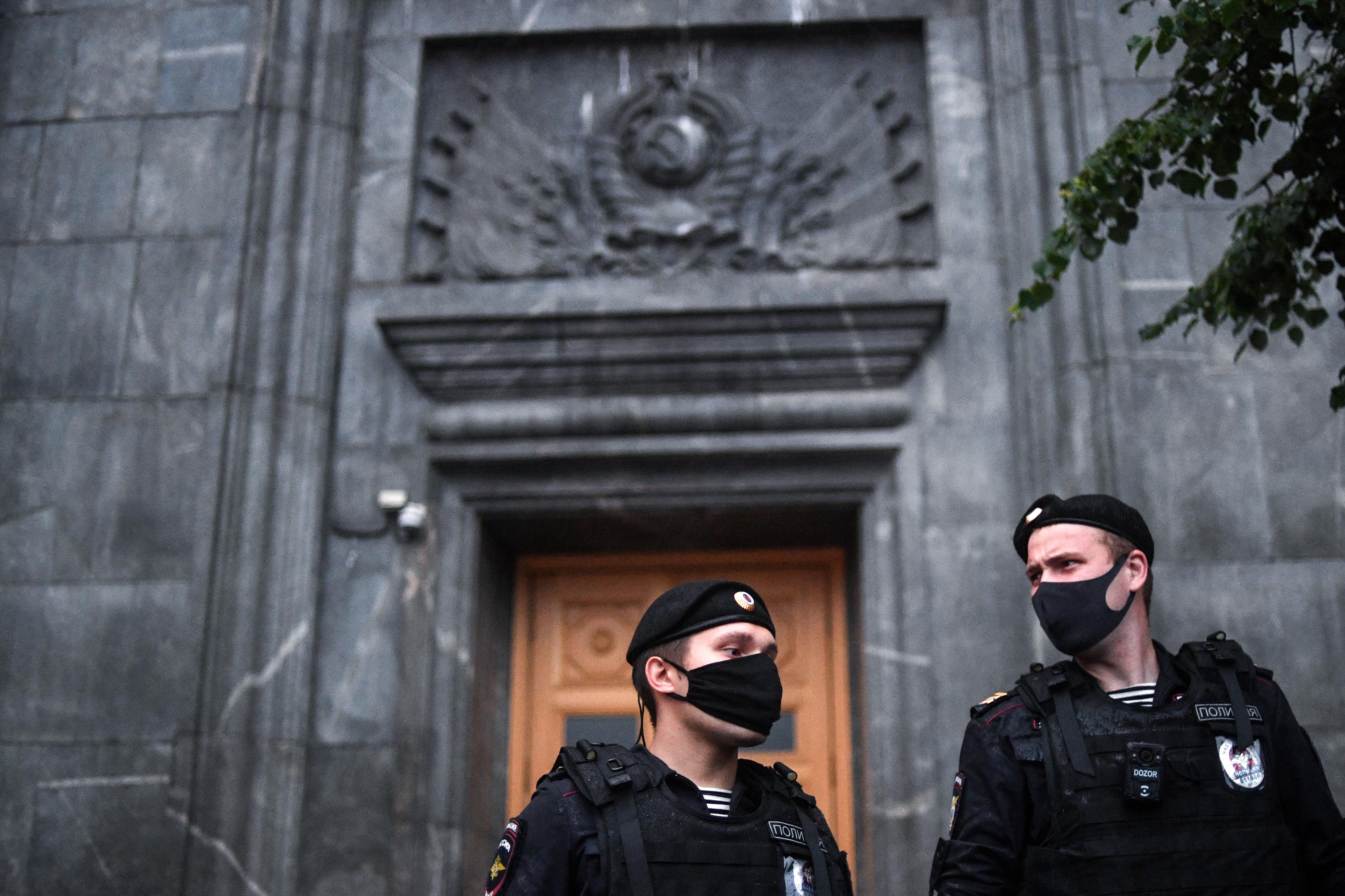 Hatósági zaklatásba roppanhatott bele az orosz újságíró, aki felgyújtotta magát a belügyminisztérium előtt